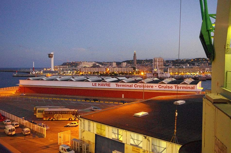 le Harve Terminal 19 September 2010 by Owen Smithers