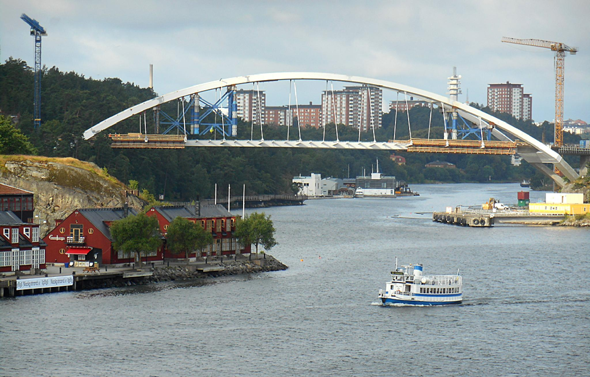 Stockholm New Railway Bridge Construction 1-22 July 2015. by Owen Smithers
