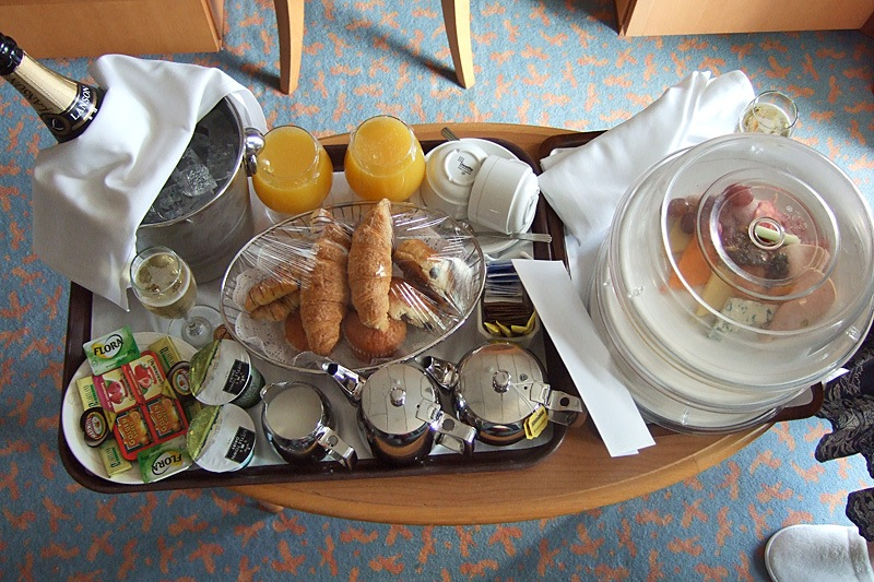 P & O Greenland-Iceland-Norway Cruise 'Aurora' Champagne Breakfast package 2-22 June 2010   by Owen Smithers