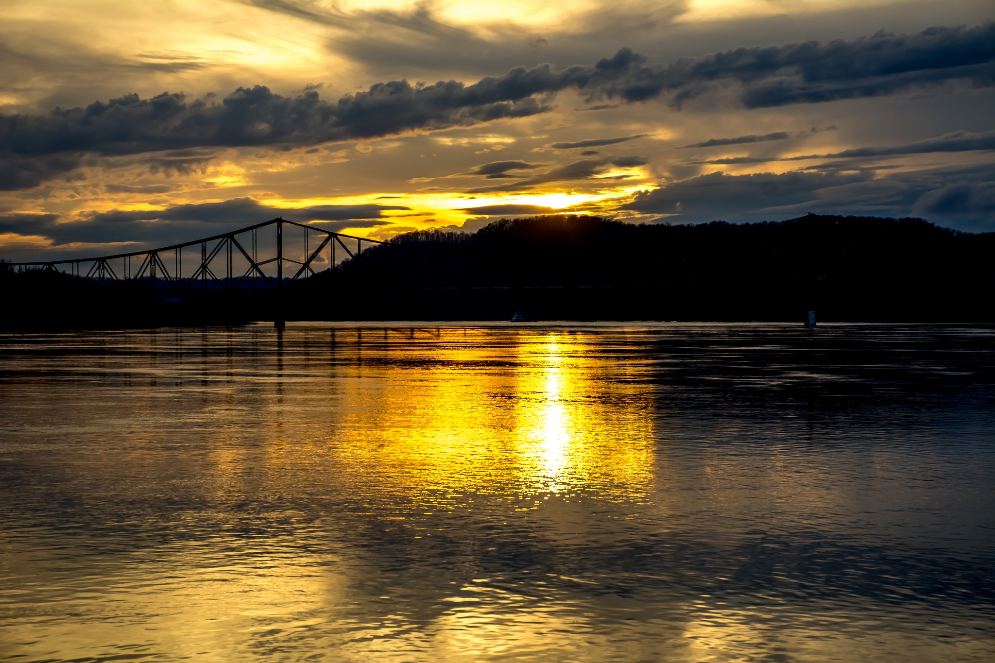 sunset over the Ohio river1 by Zach Henderson