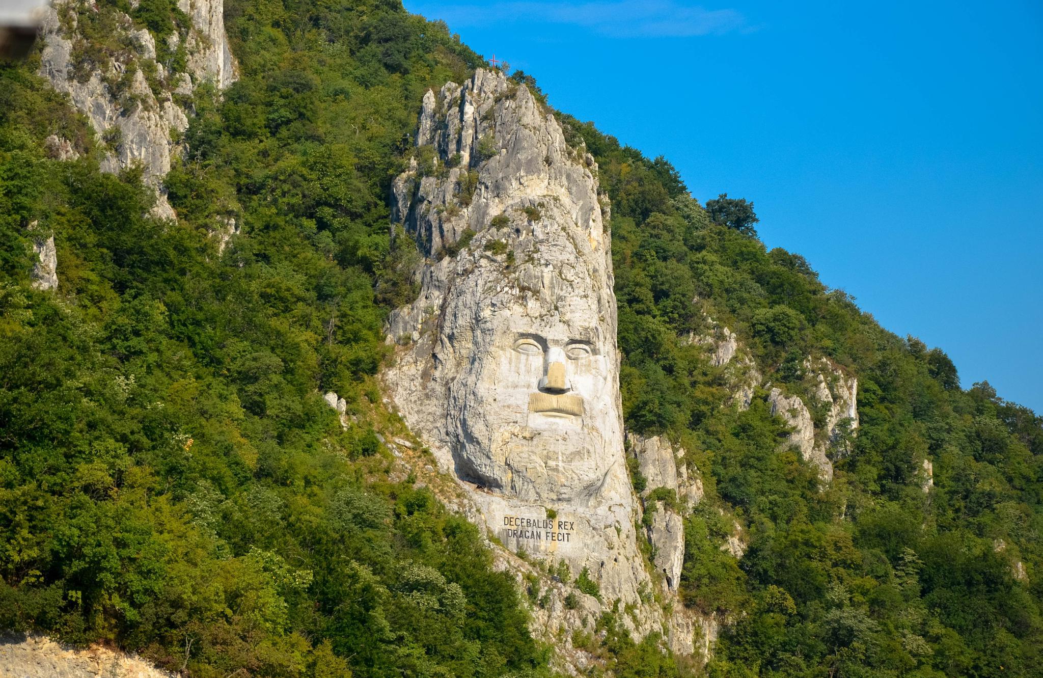 Statue of Dacian king Decebalus by Günter Staudacher
