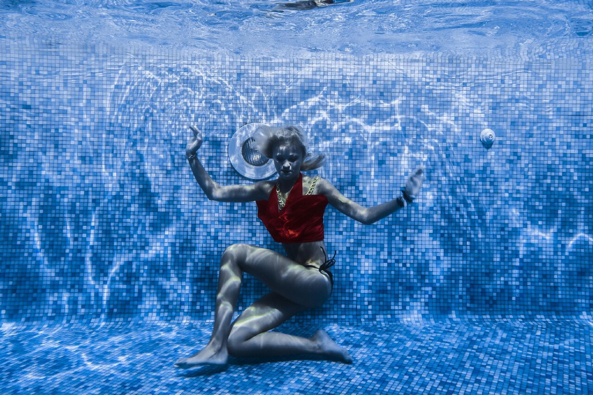 water Fashion  by leonardocamellino