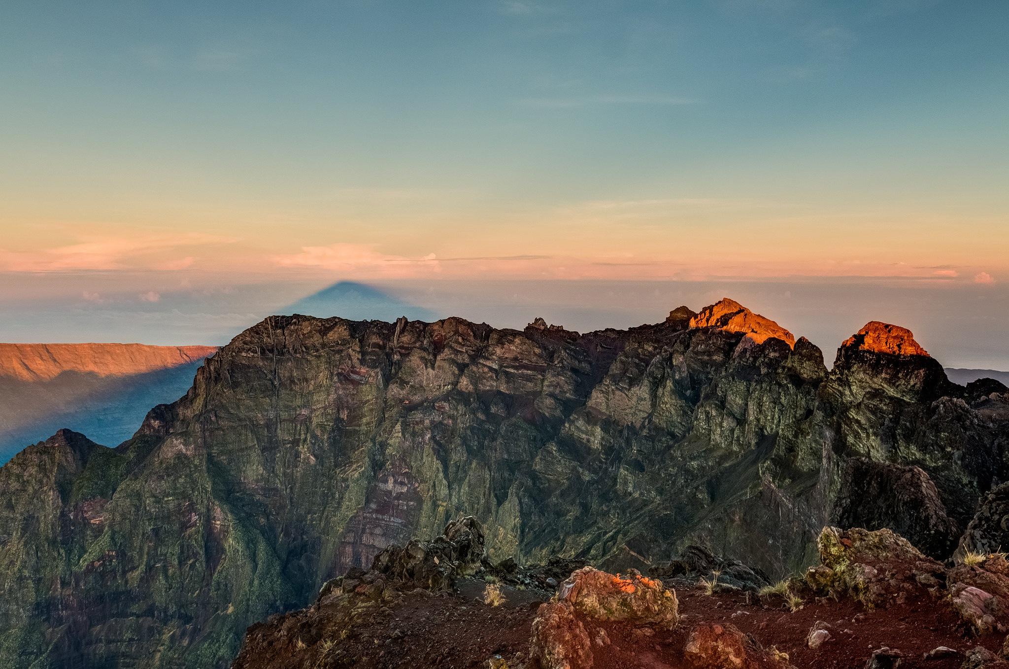 Mountain Shape by Manu974