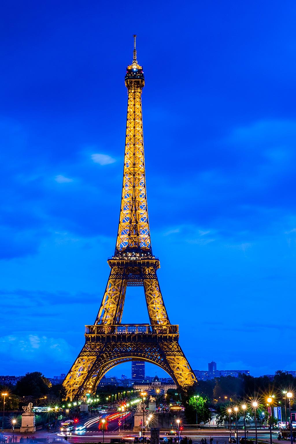 Paris @ Night by manulauret