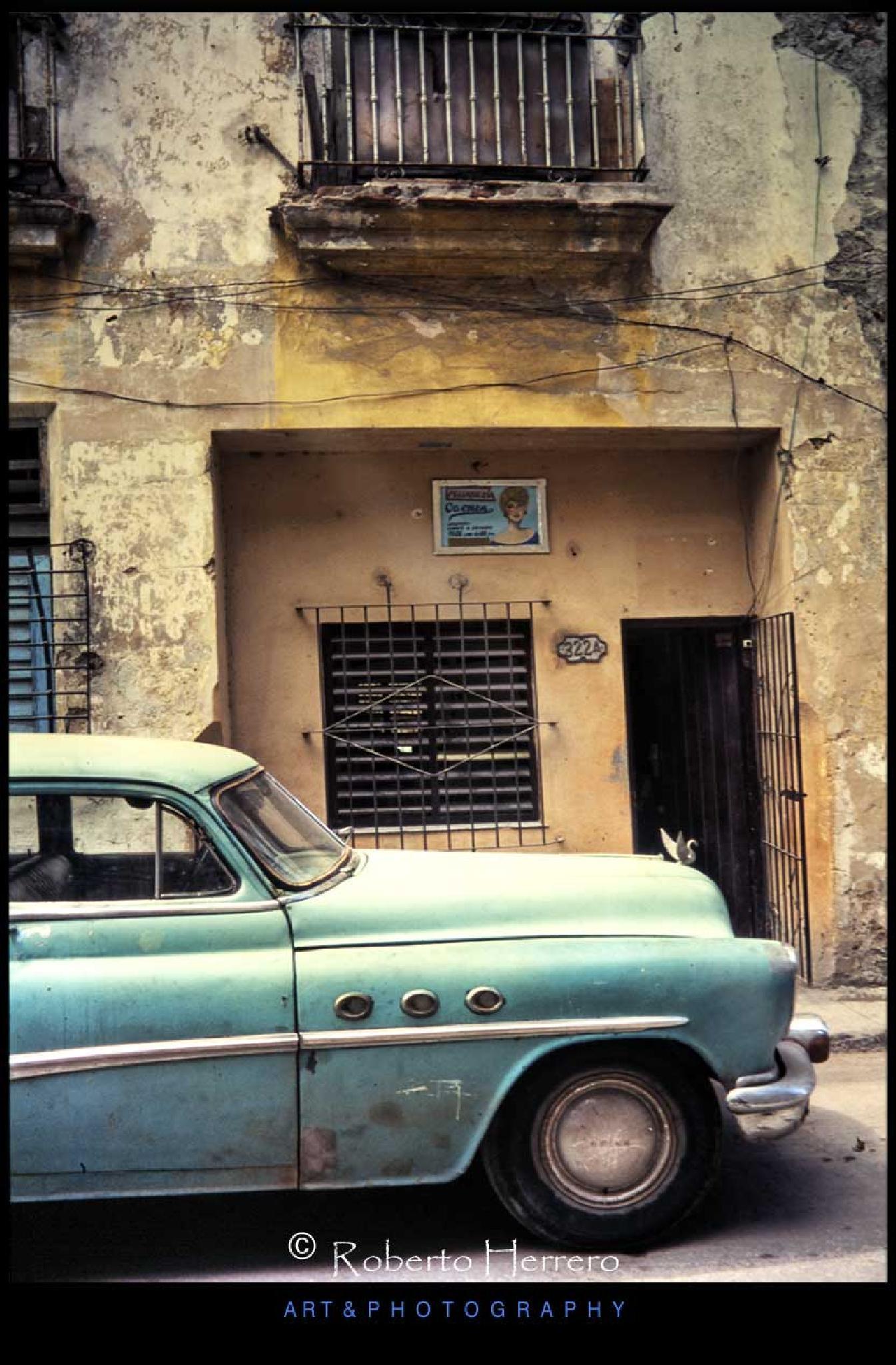 Peluqueria Carmen. La Habana by Roberto Herrero. Photography