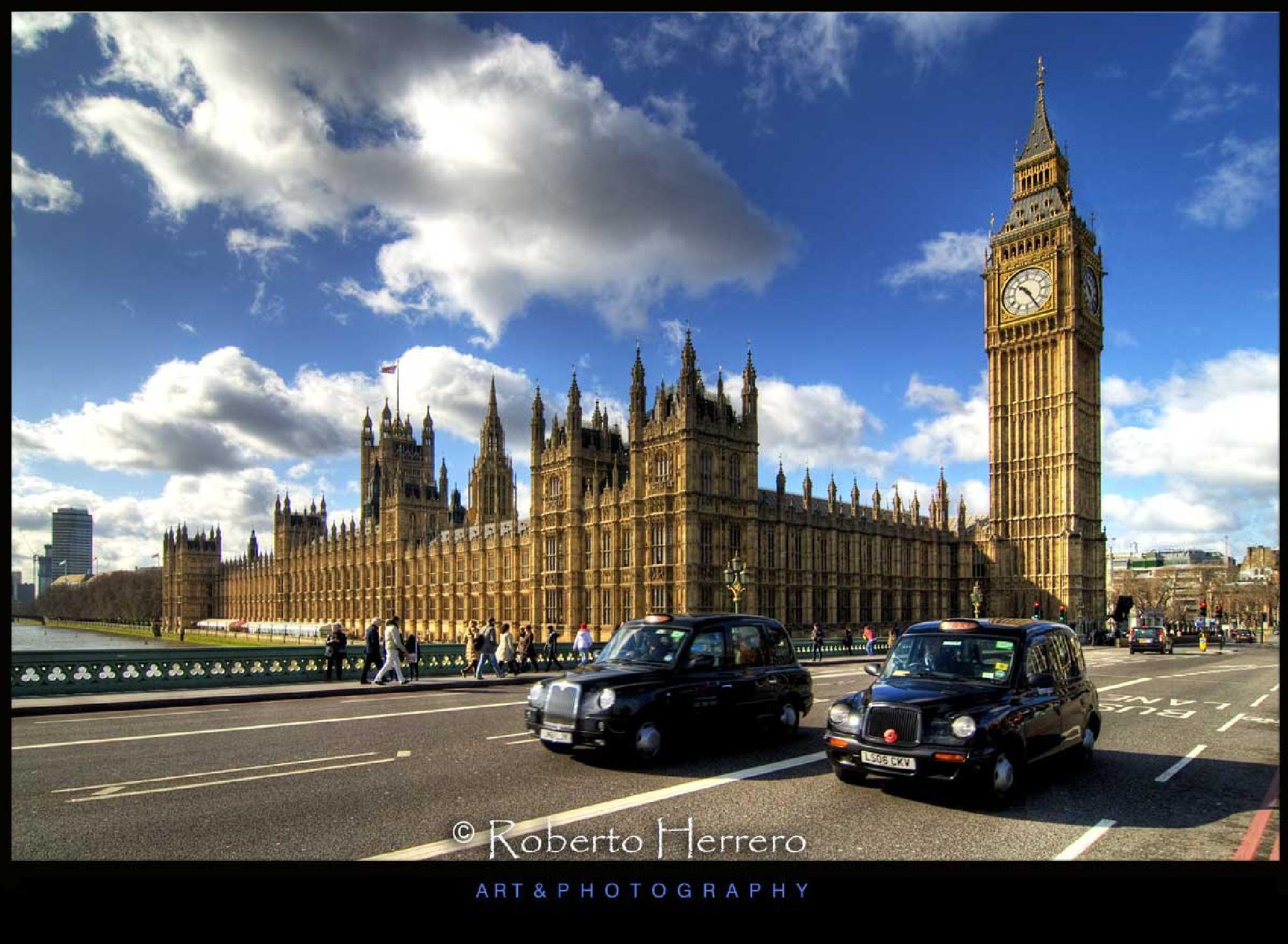 Typical London by Roberto Herrero. Photography