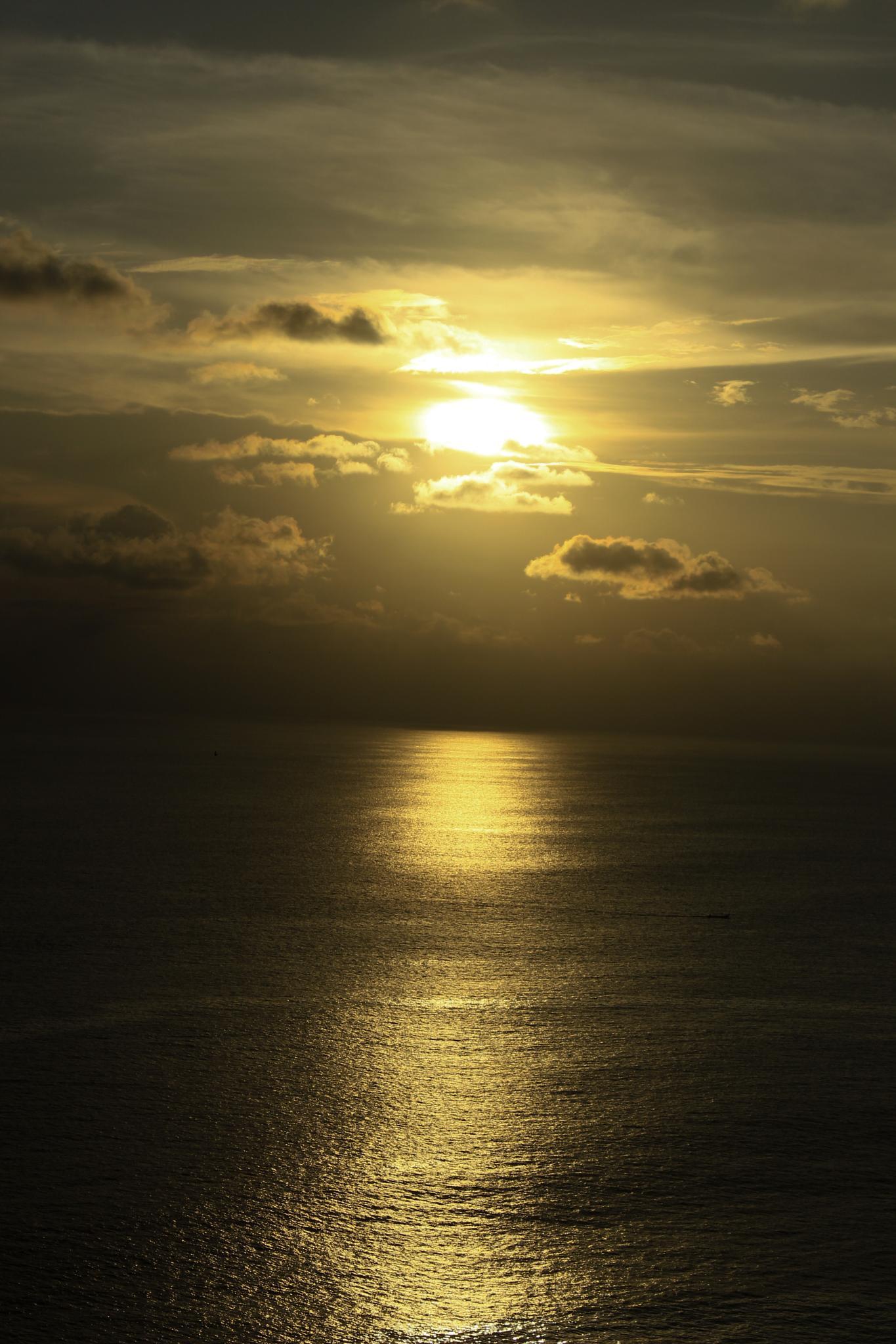Yellow Sunset by Angga Raditya (ZweiBlack)
