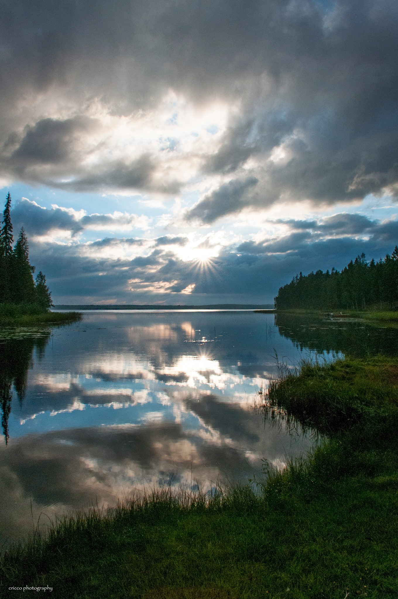 Afternoon at a beautiful bay in the Norrbotten archipelago by cricco photography