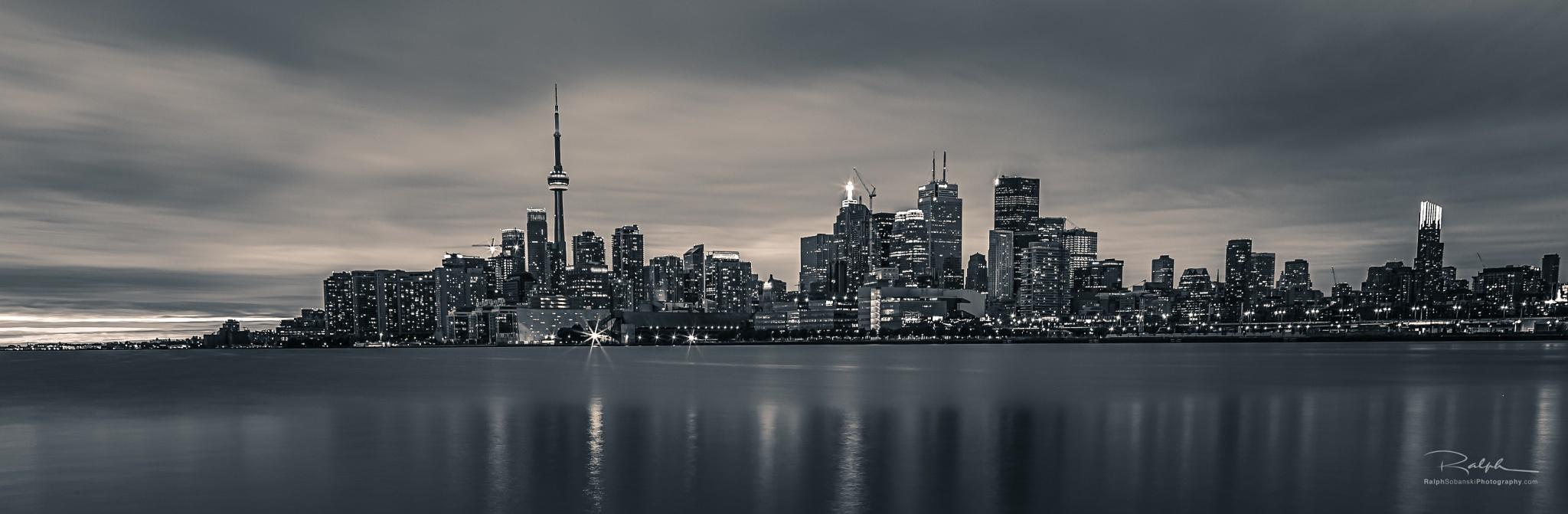 Toronto Skyline by Ralph Sobanski