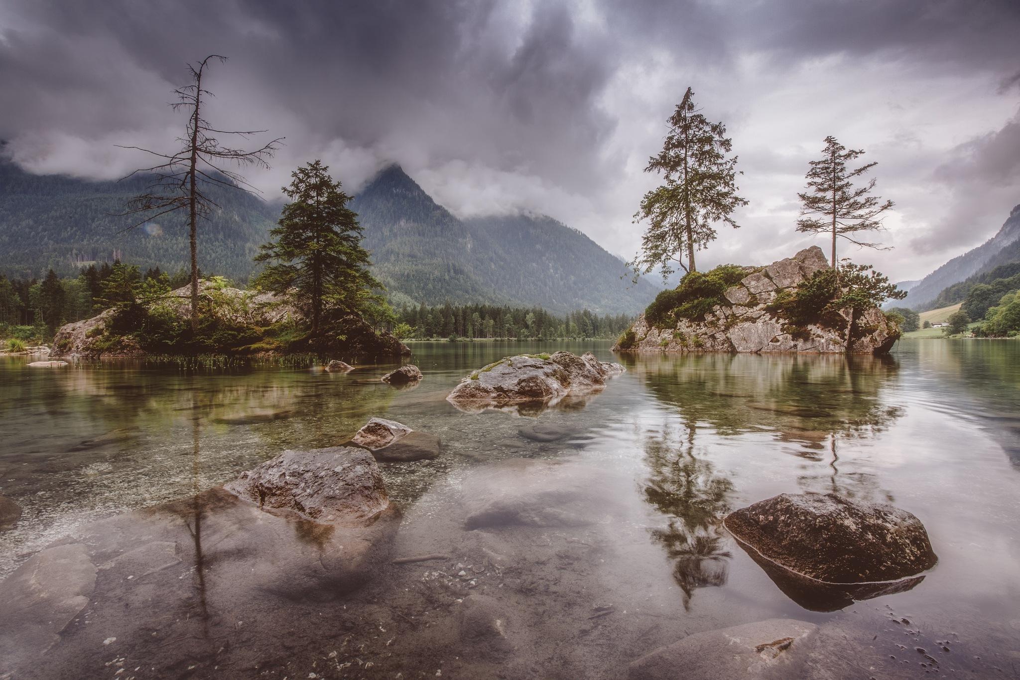 Der Regen kommt by Mirko Waltermann