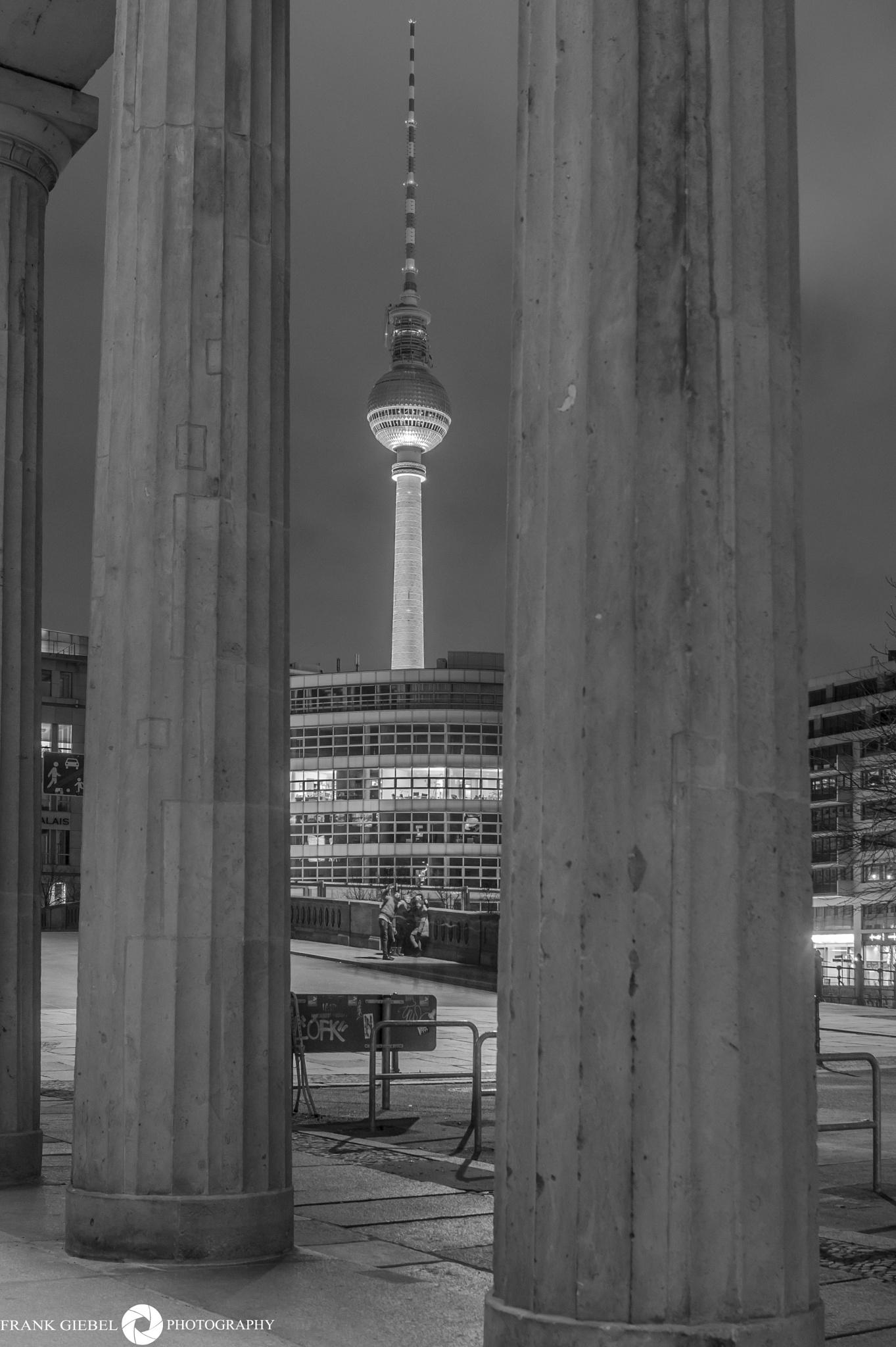 BERLINER FENRSEHTURM by GiebelPhotoArt