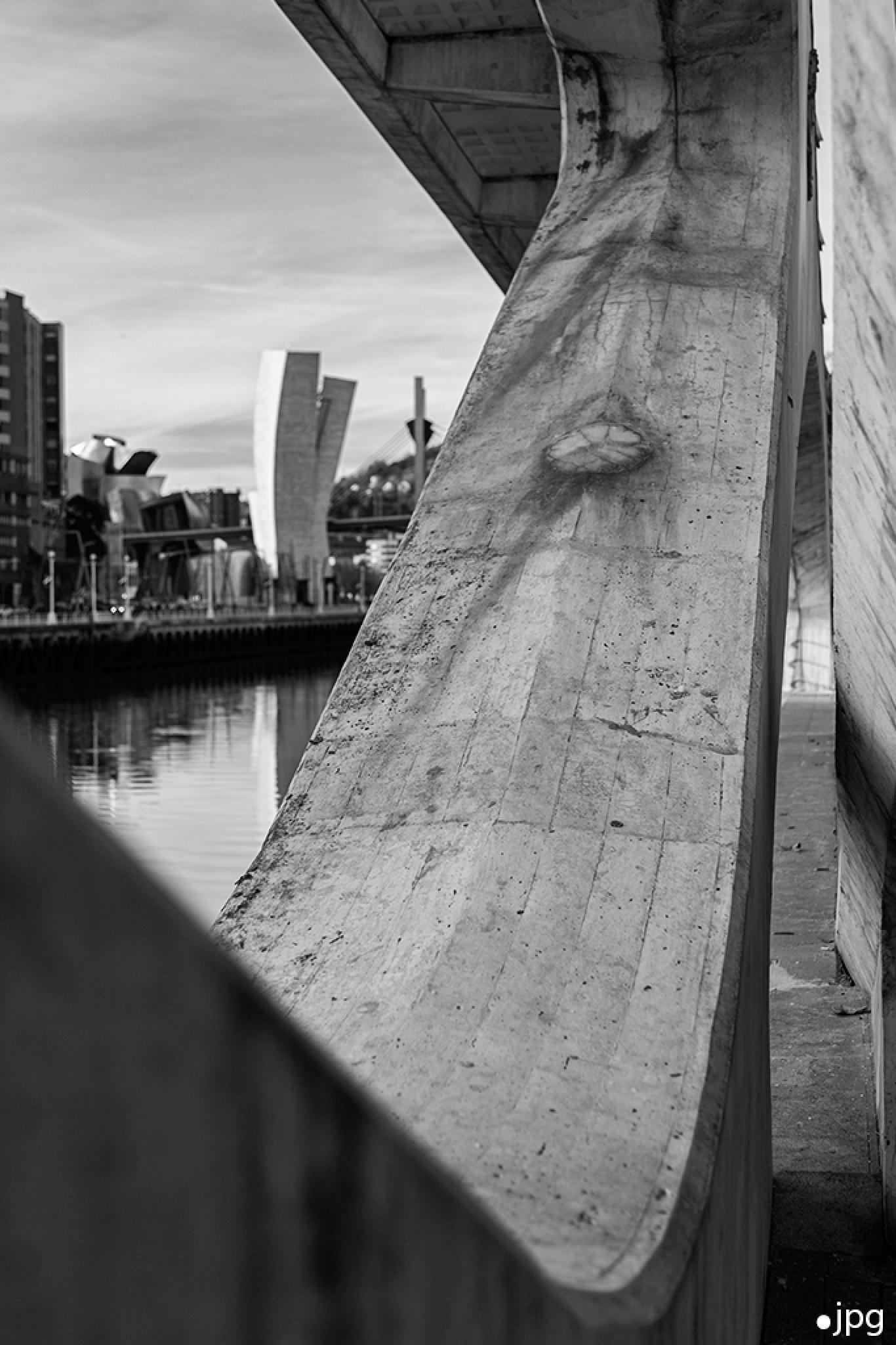 Frame / Marco. by Jose Perez