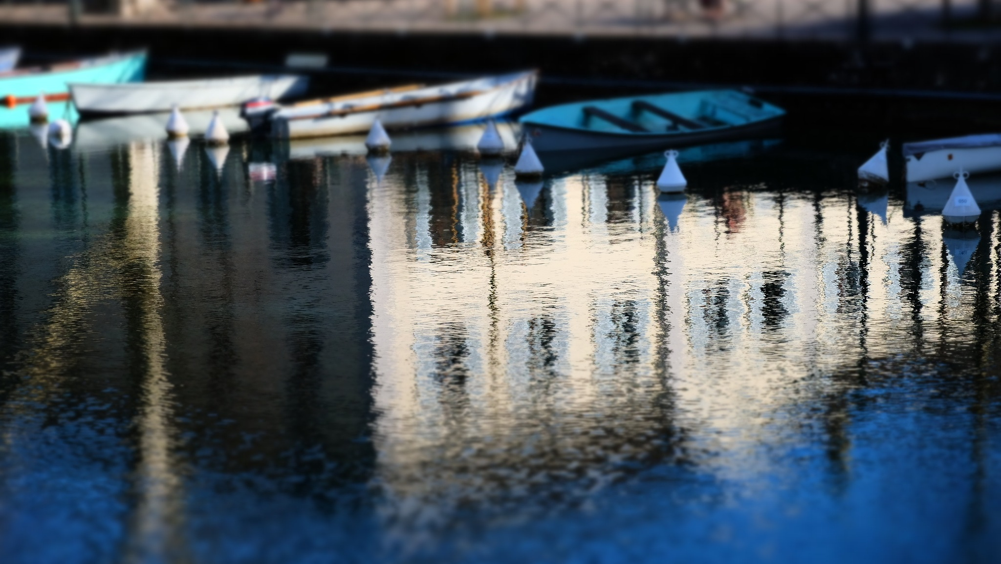 Reflet by christophepoidevin