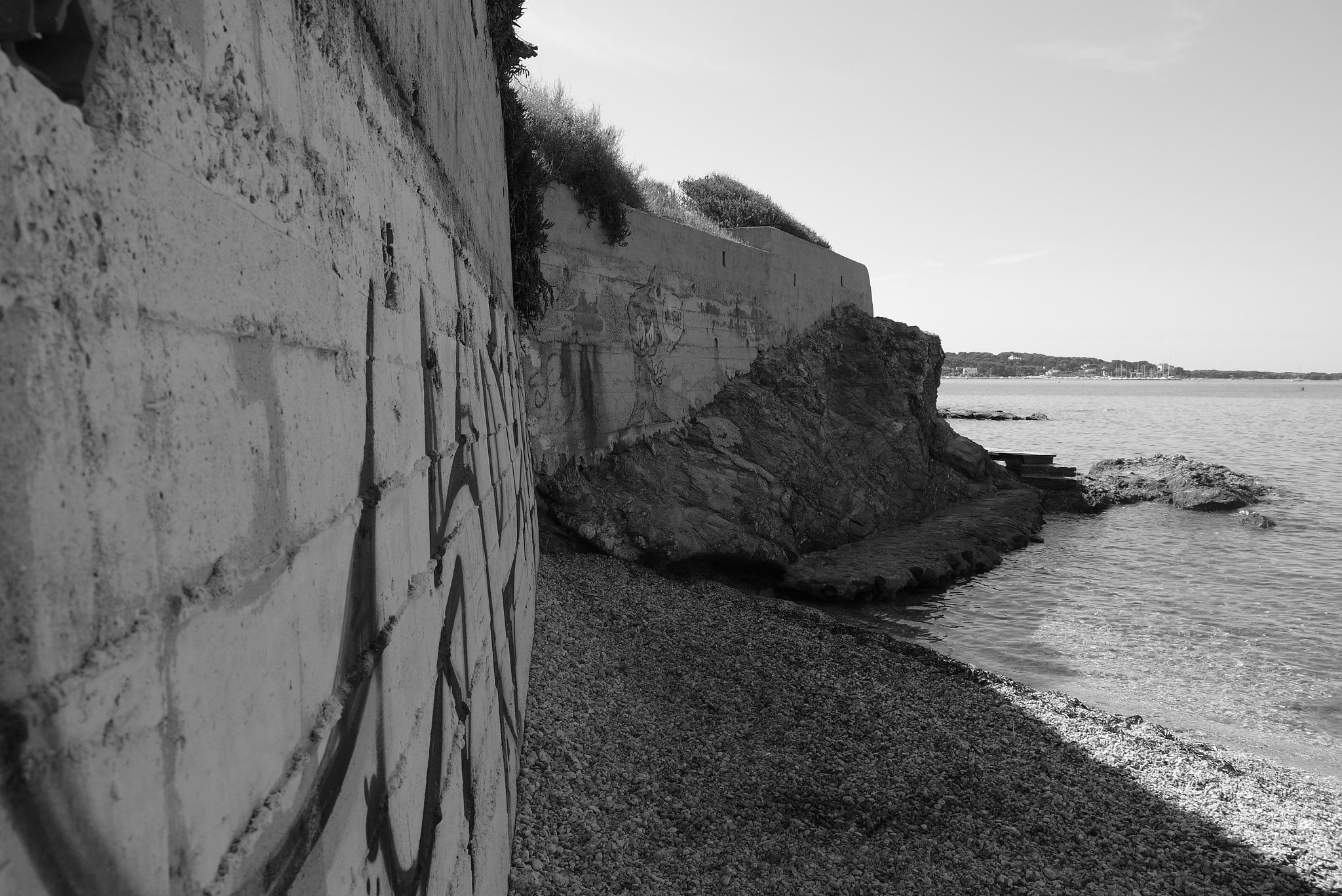 Graff , béton & mer by christophepoidevin