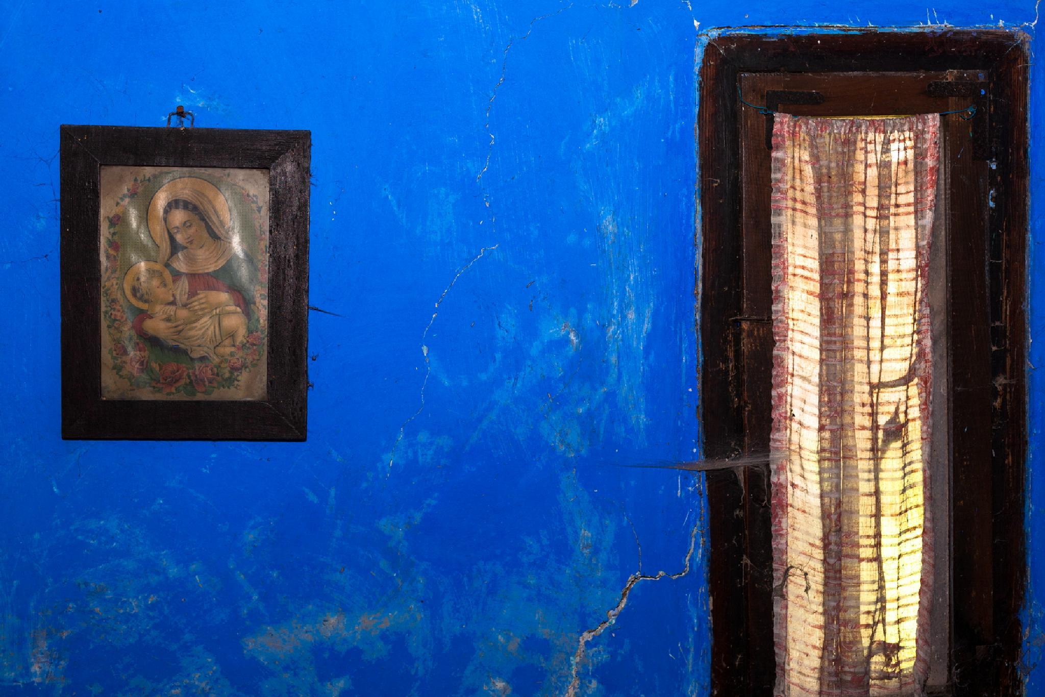 """""""Blue background"""" (2) by sandufeher"""