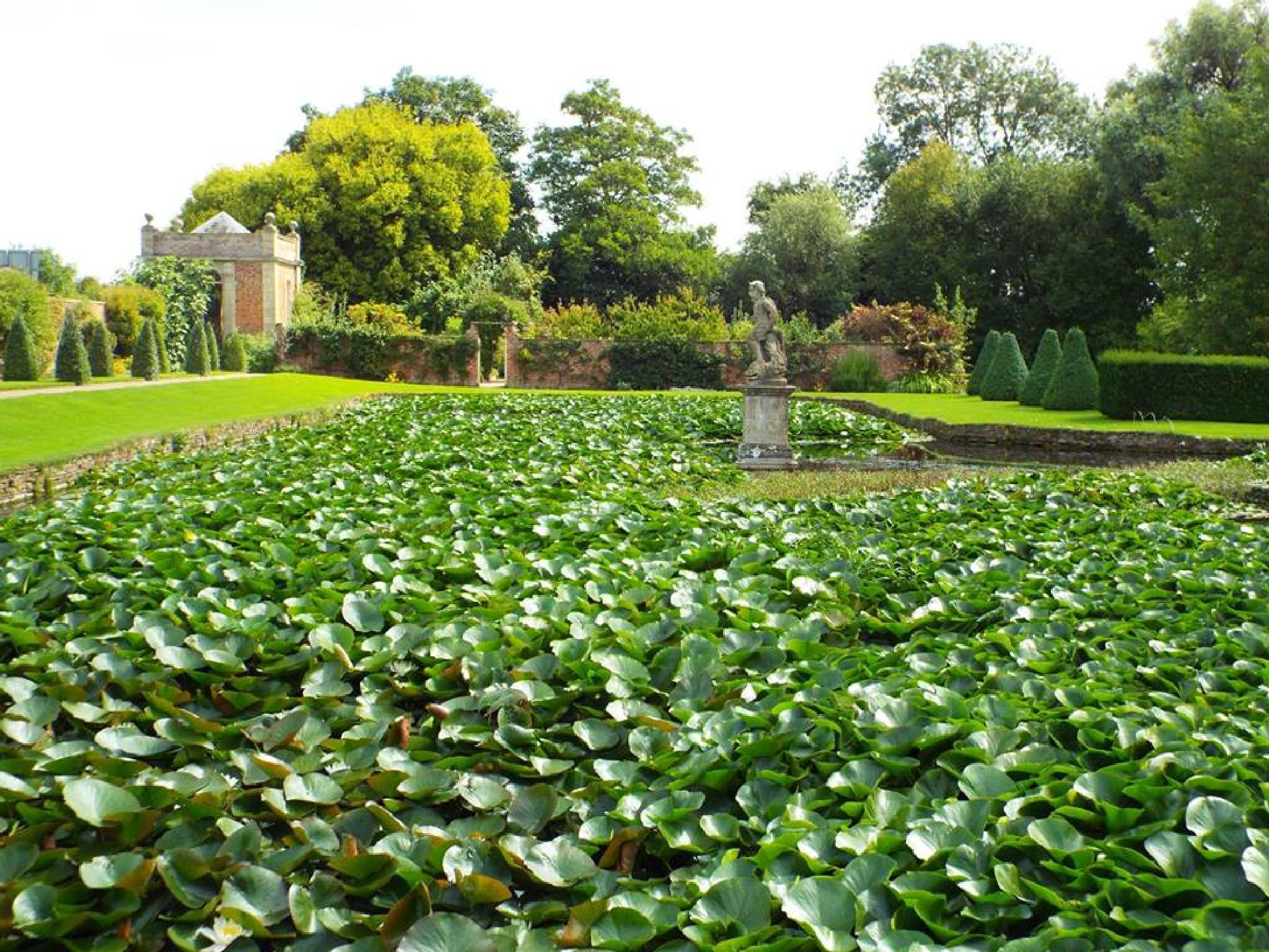 Westbury dutch water gardens. by hilarymayo