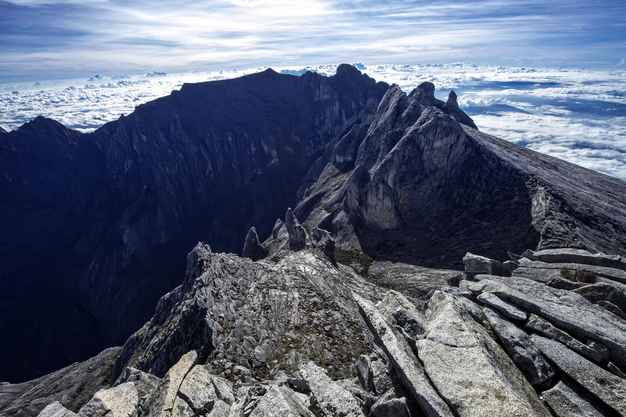 Mount Kinabalu by Kim Chong Keat