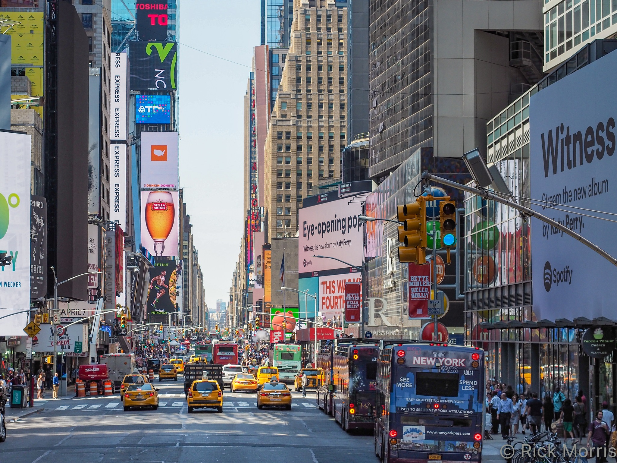 7th Ave - New York City by Rick Morris
