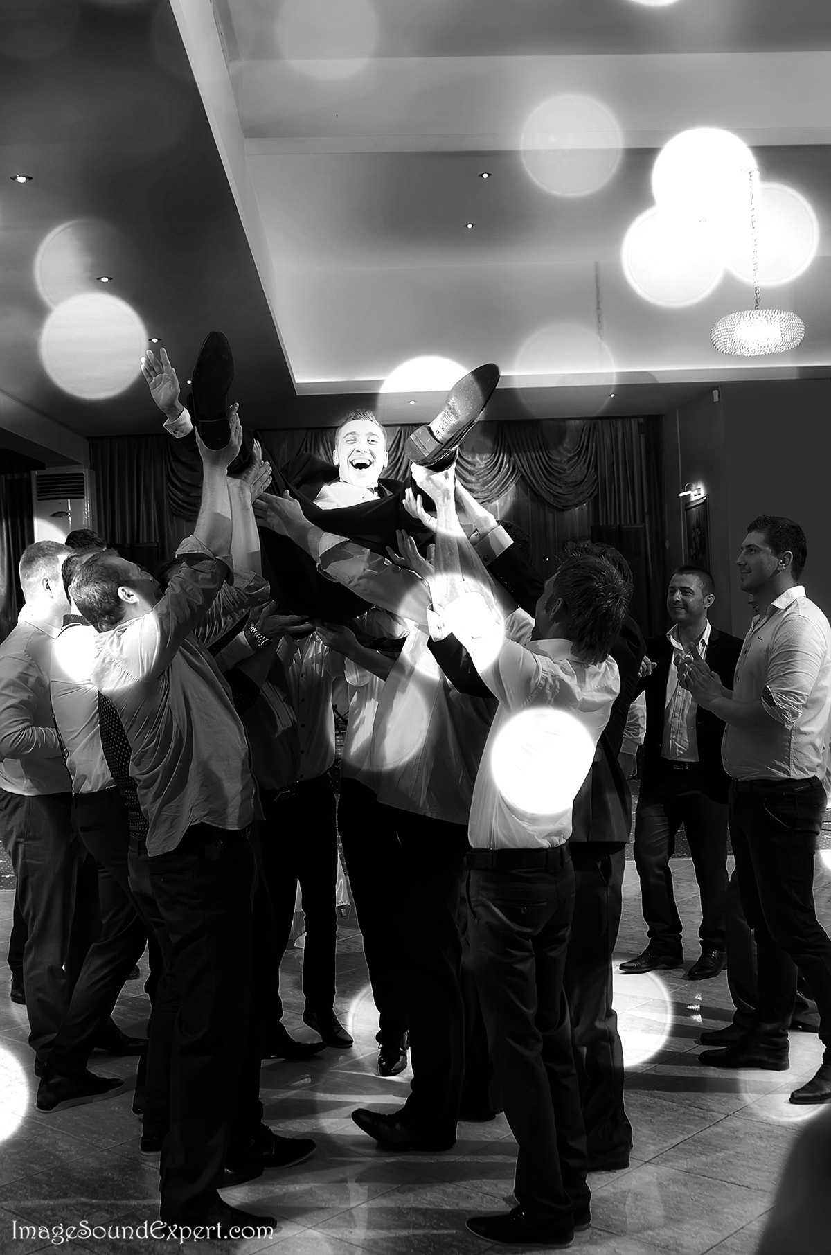 funny wedding by Angelica Vaihel