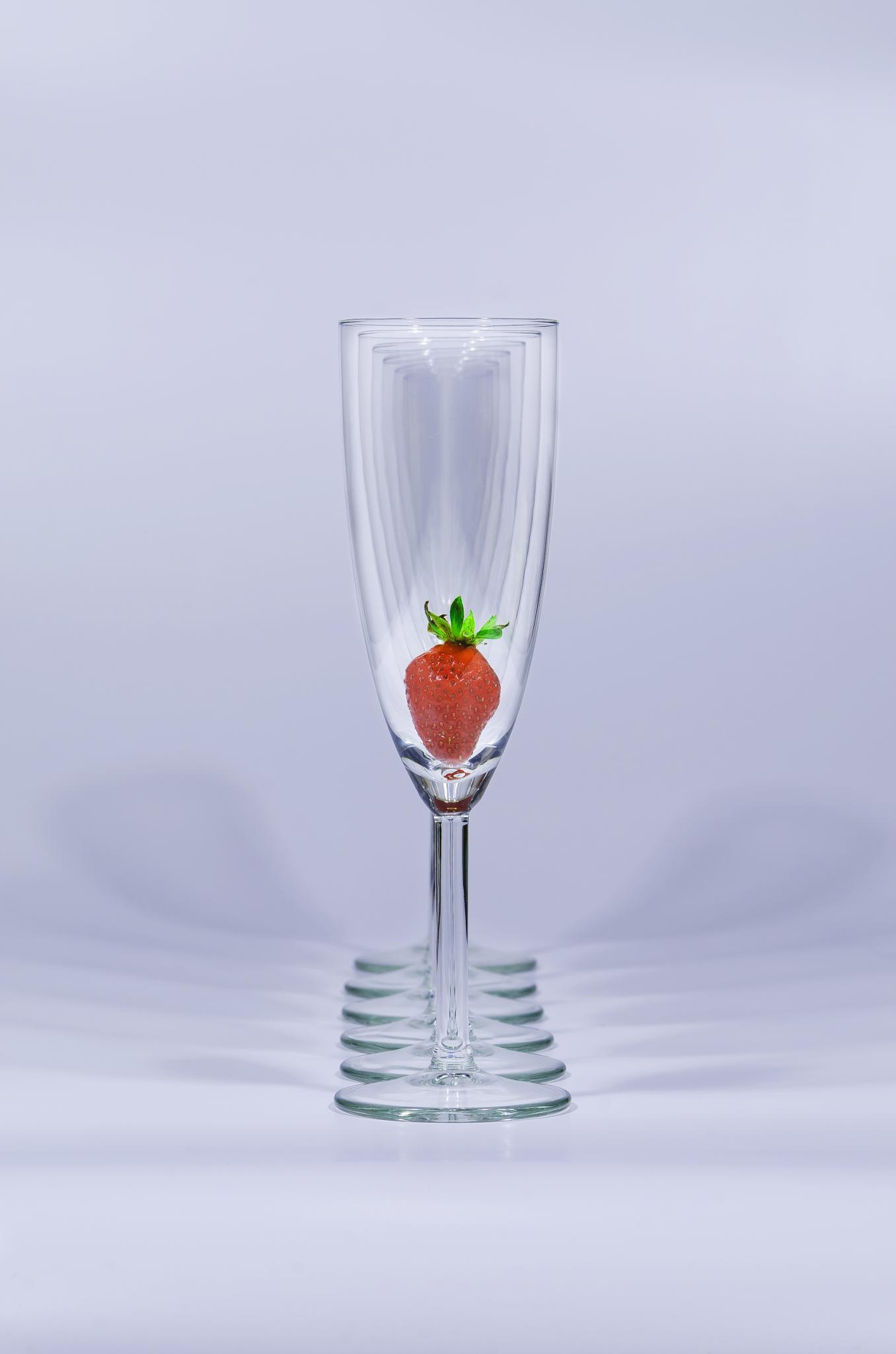 Strawberry flute by Remo Fiore