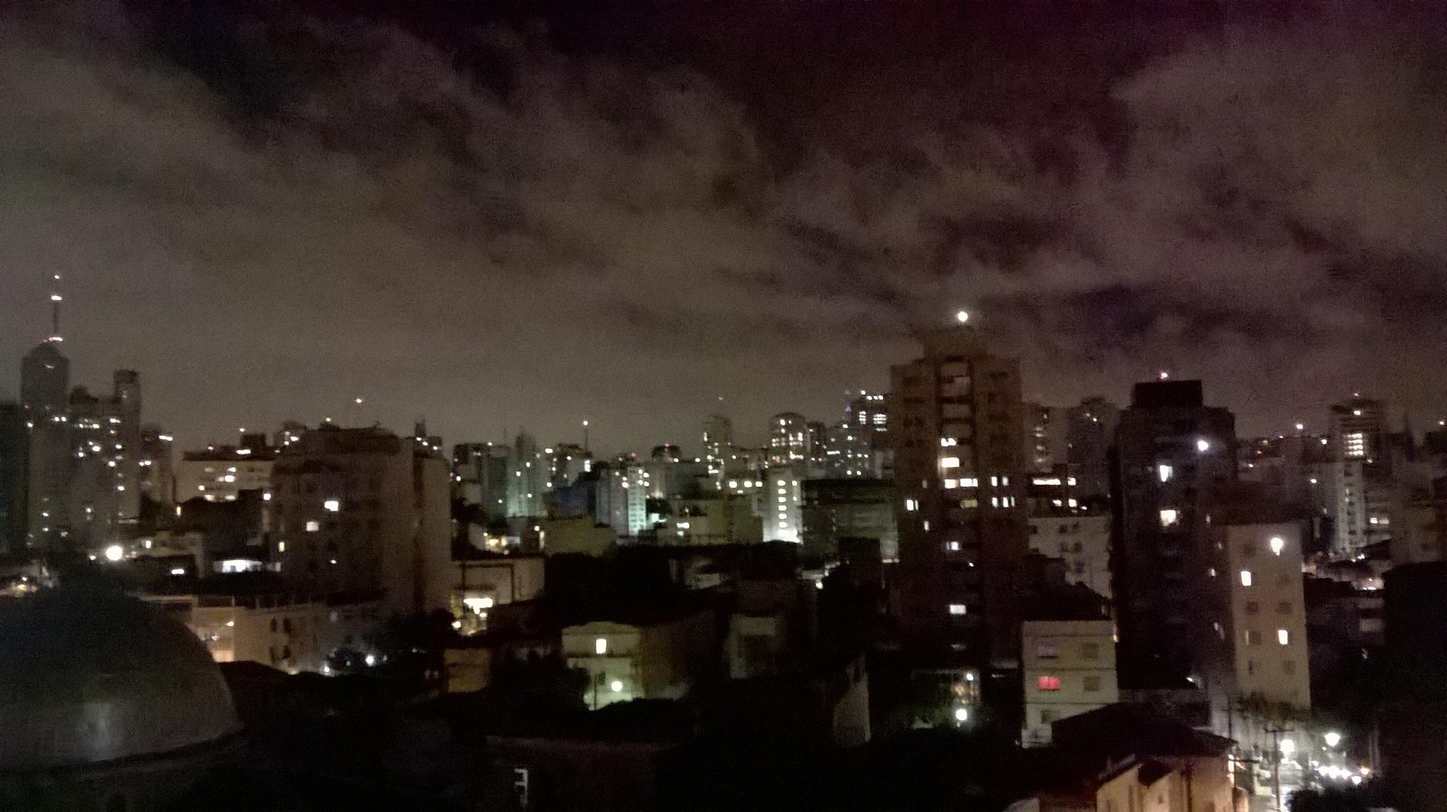 Noite nublada by Darci Ferreira Holanda