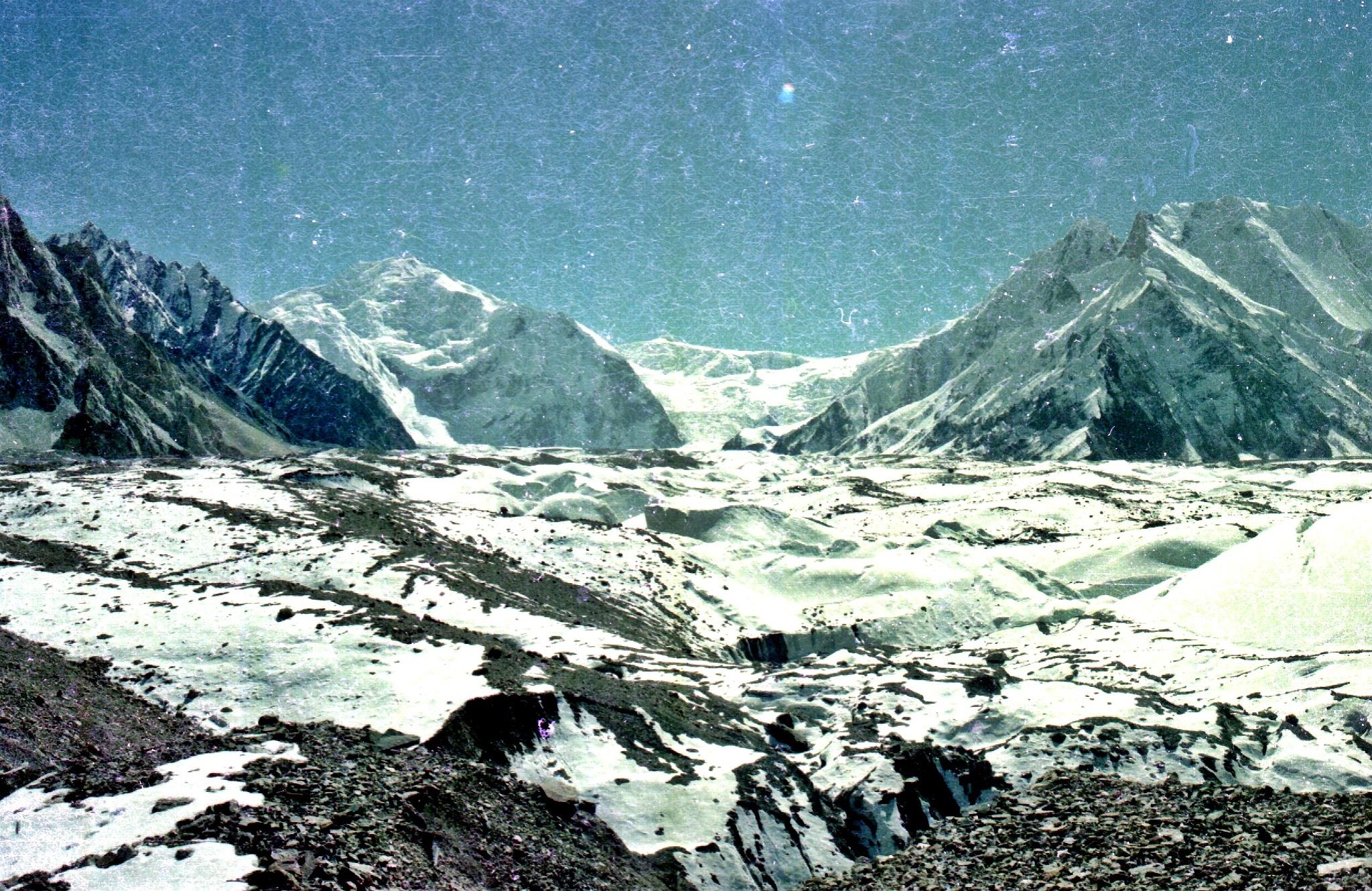 Mountains beside Baltoro Glacier  by pervaiz_jiu-jitsu