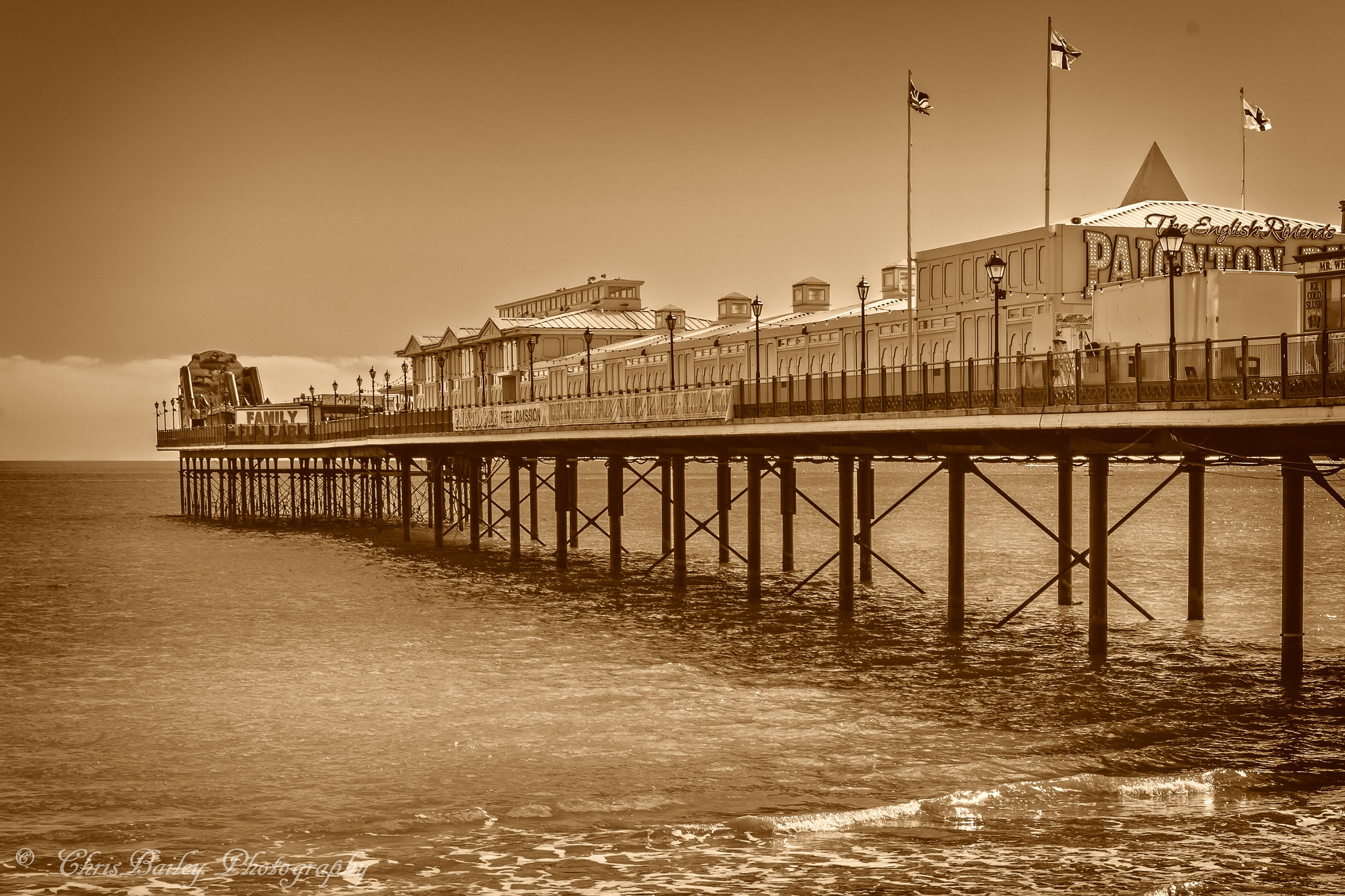 Paignton Pier. 02.2. 20160331 by Chris Bailey