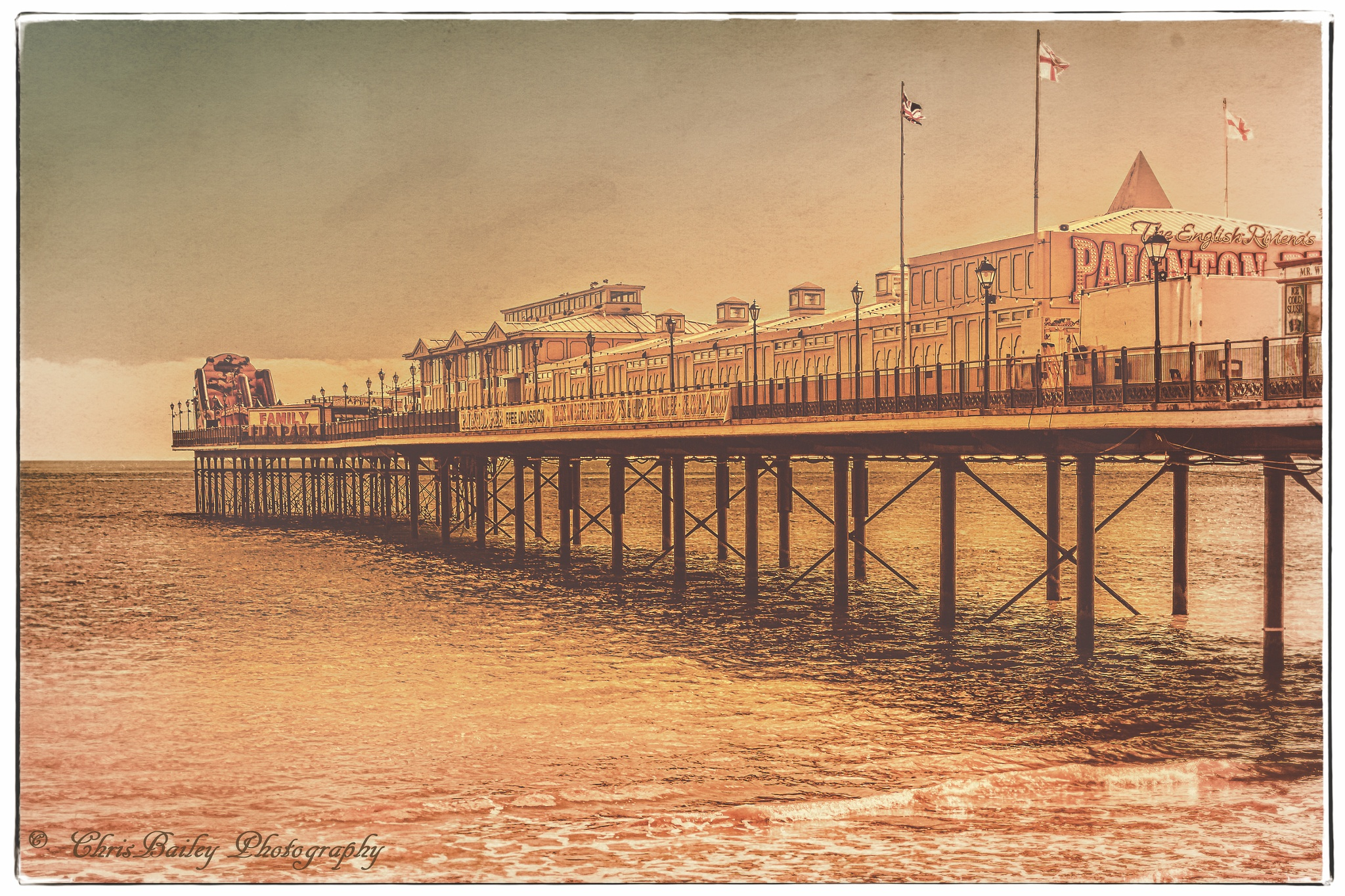 Paignton Pier. 02.4. 20160331 by Chris Bailey