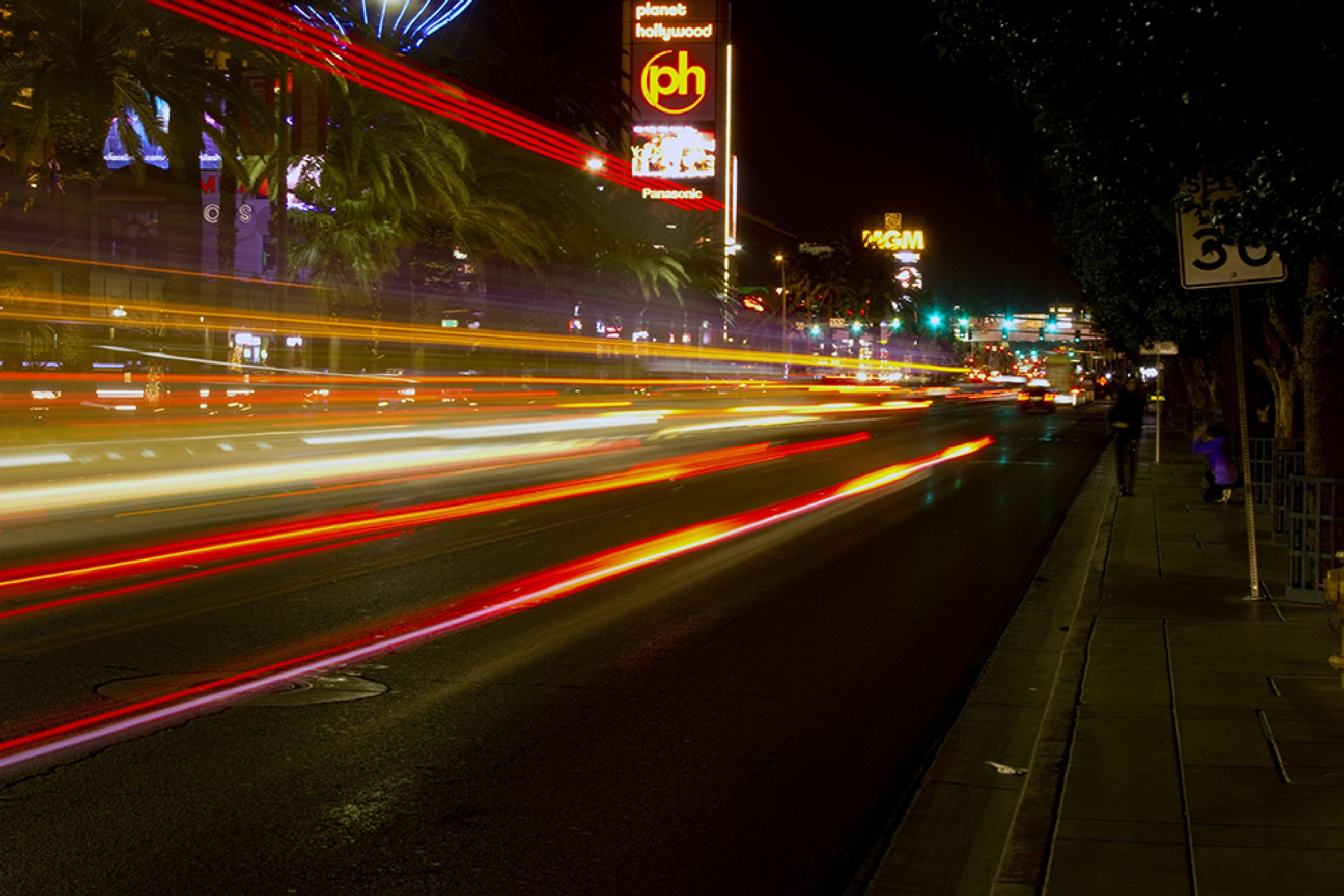 The Strip at night by time2dive