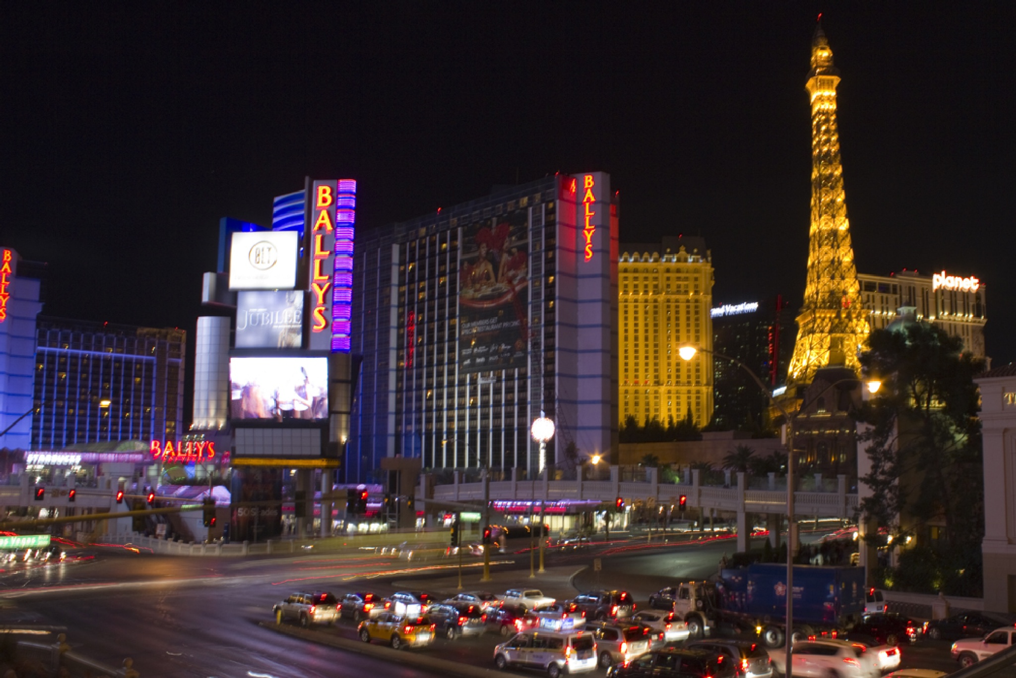 Las Vegas Blvd - The Strip by time2dive