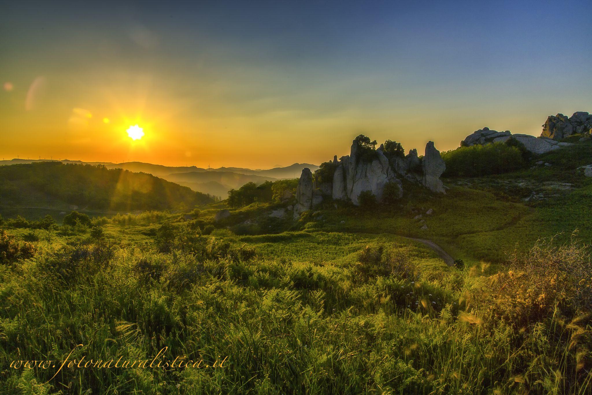 Sunset on the monoliths by Fotonaturalistica Giuseppe Parisi