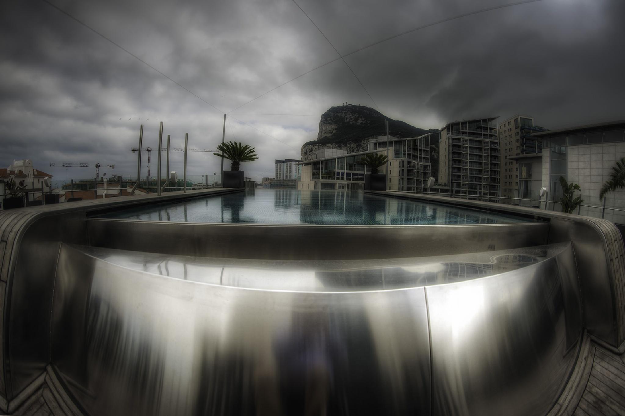 Rock Pool by gibwheels