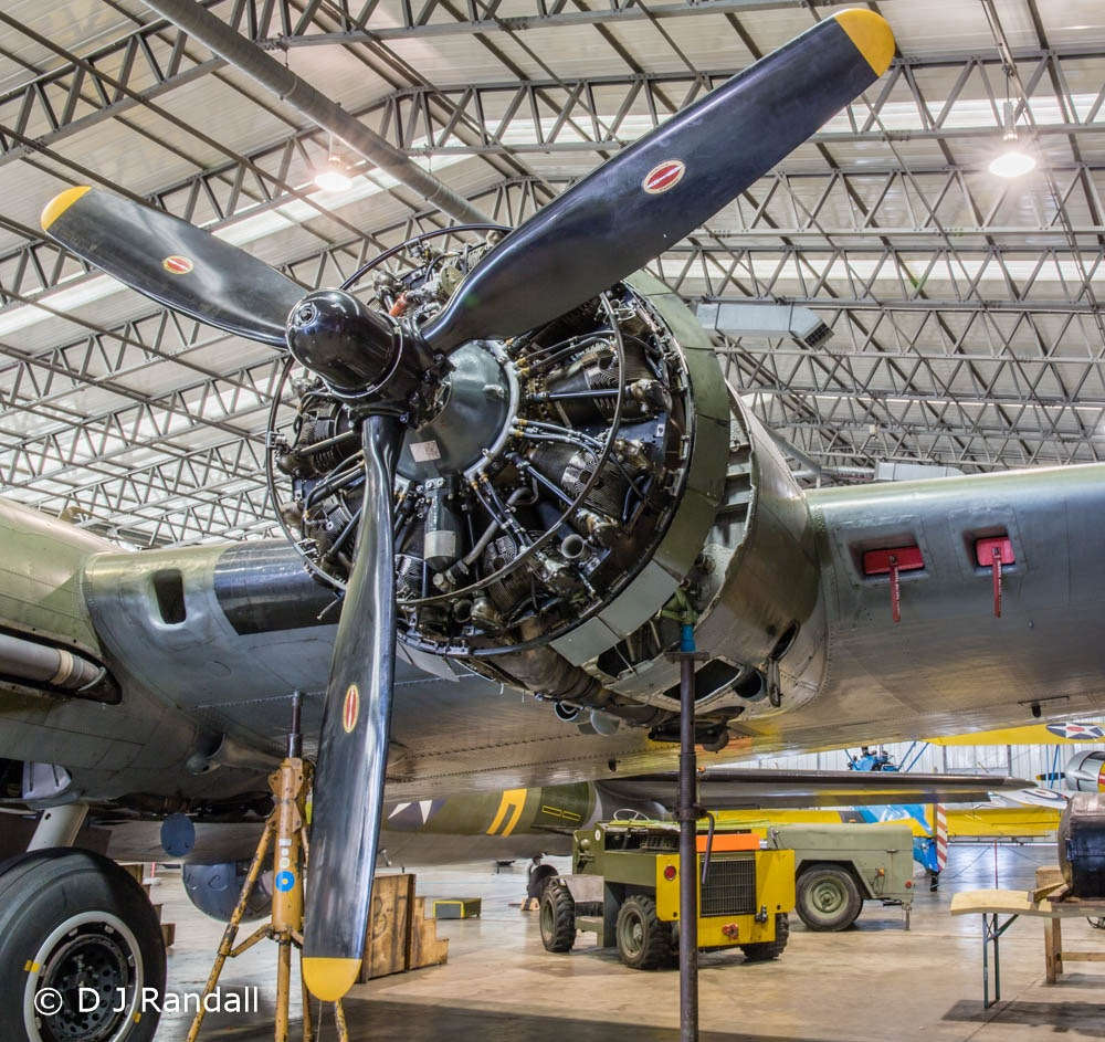 Engine of Boeing B-17 'Sally B' at IWM Duxford by Albatroff