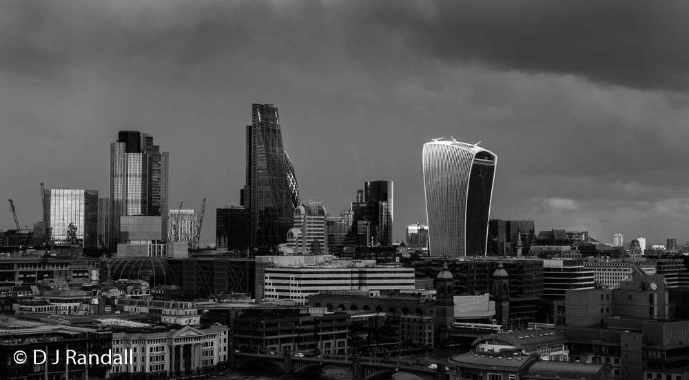 Rainy day light hits the Walkie Talkie by Albatroff