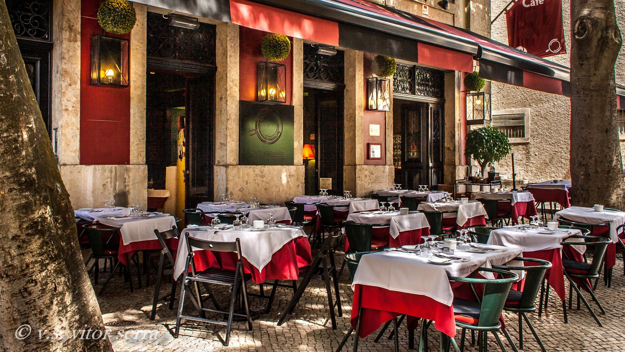 Lisboa, Chiado  by vitorserra1