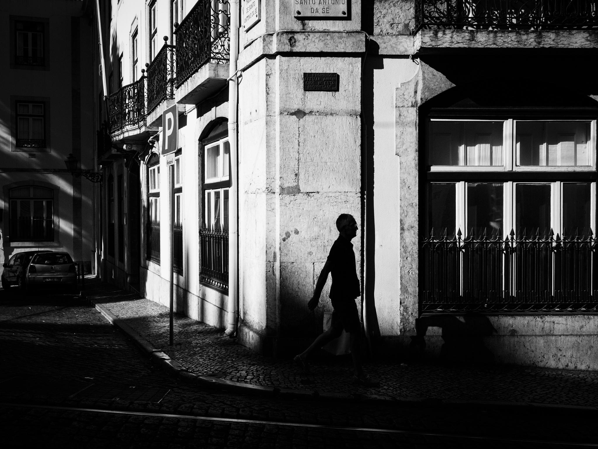 Human Grafitty... by Pedro Alves
