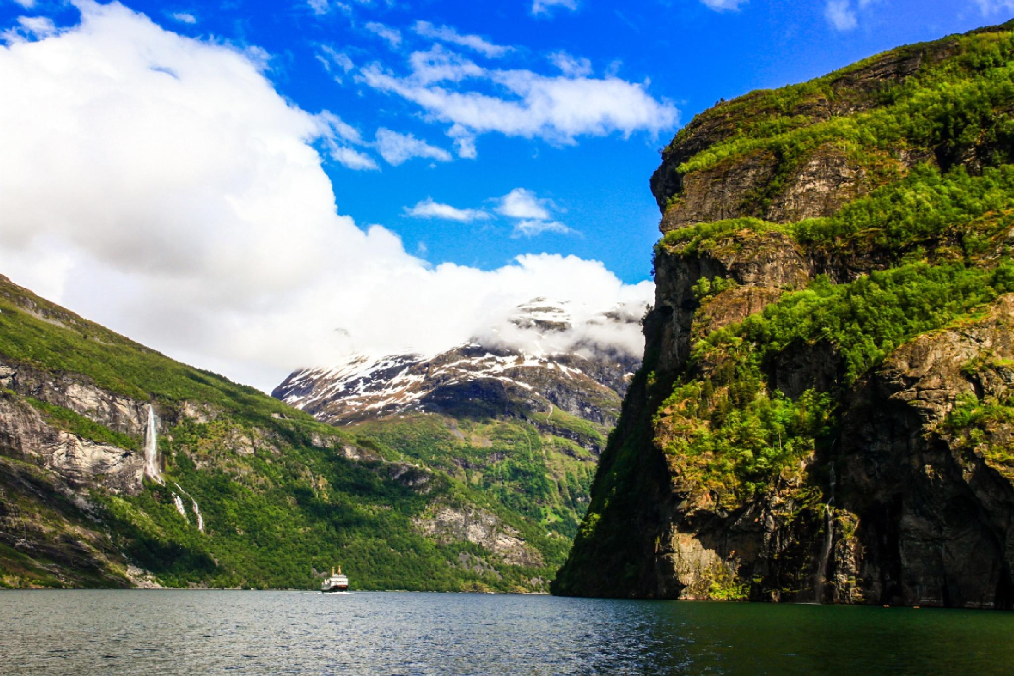 Geiranger Fjord by FSFoto