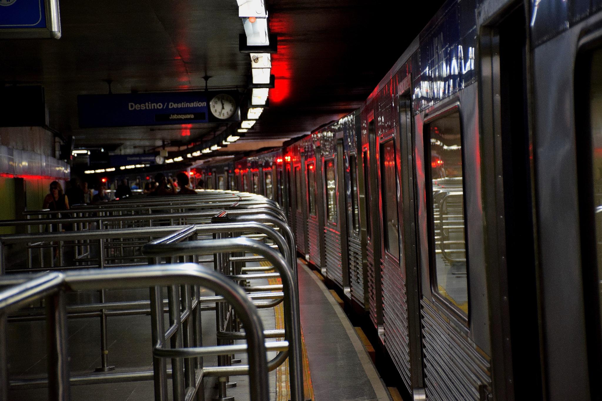 Metrô Sé by LuixCelso
