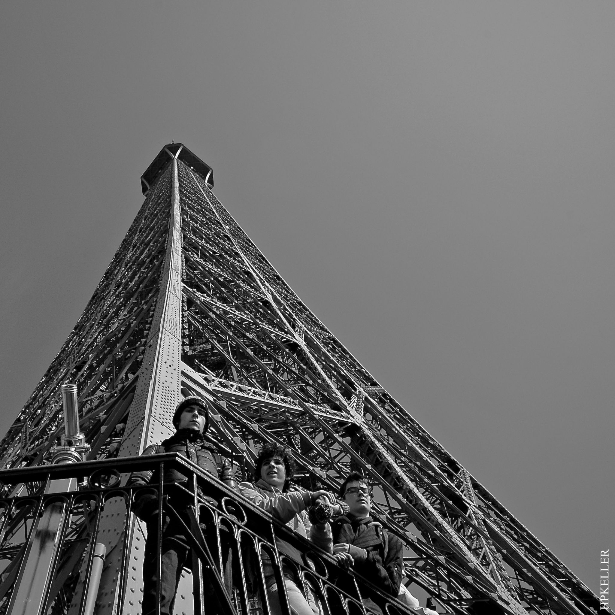 Some month ago in Paris, ...coole guys on the tower. by Hans-Peter Keller