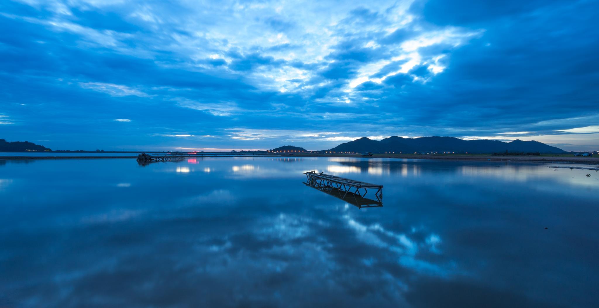 Bang Phra Reservoir by praphab