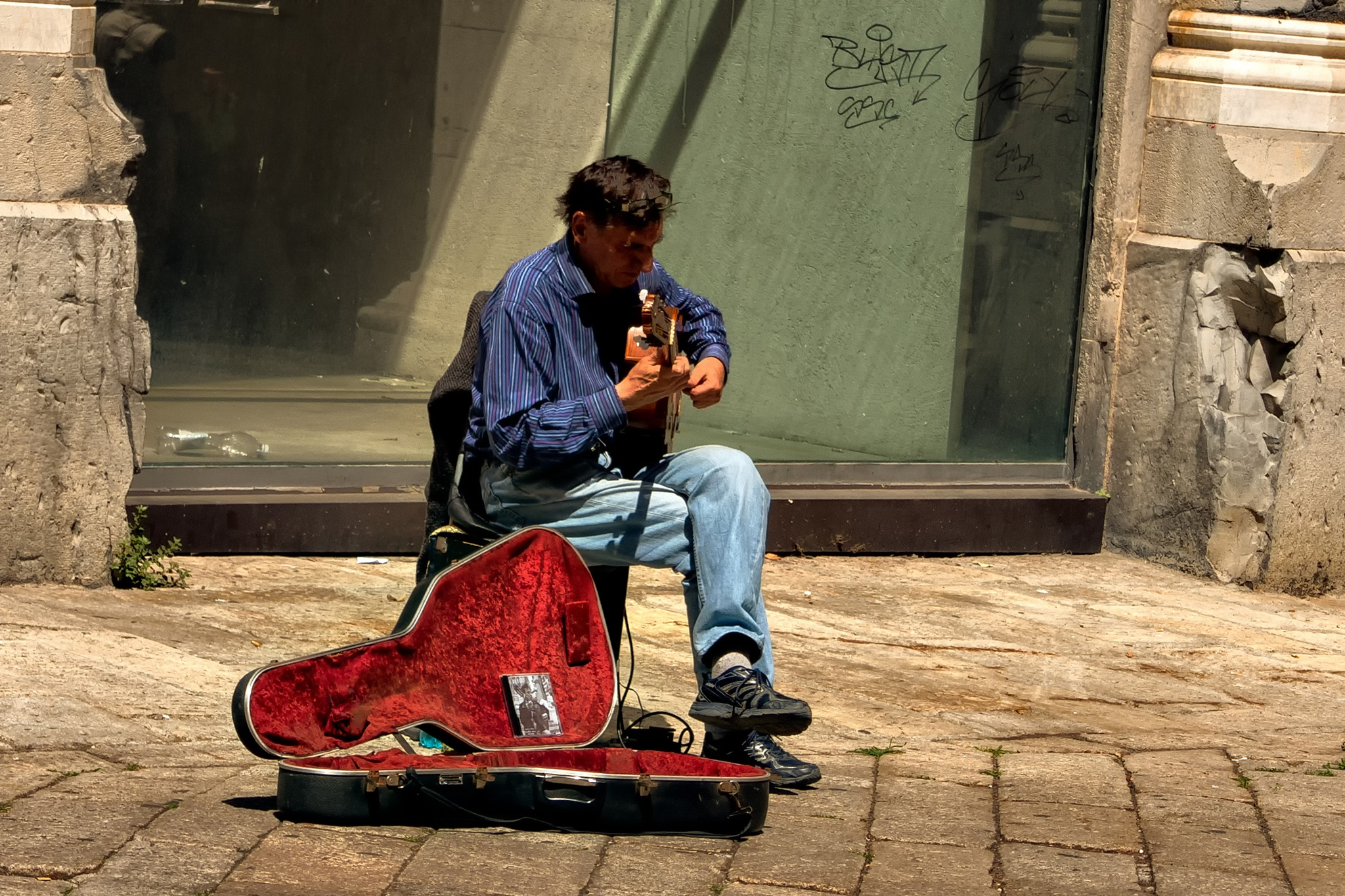 virtuous street guitar by sunrisesunset