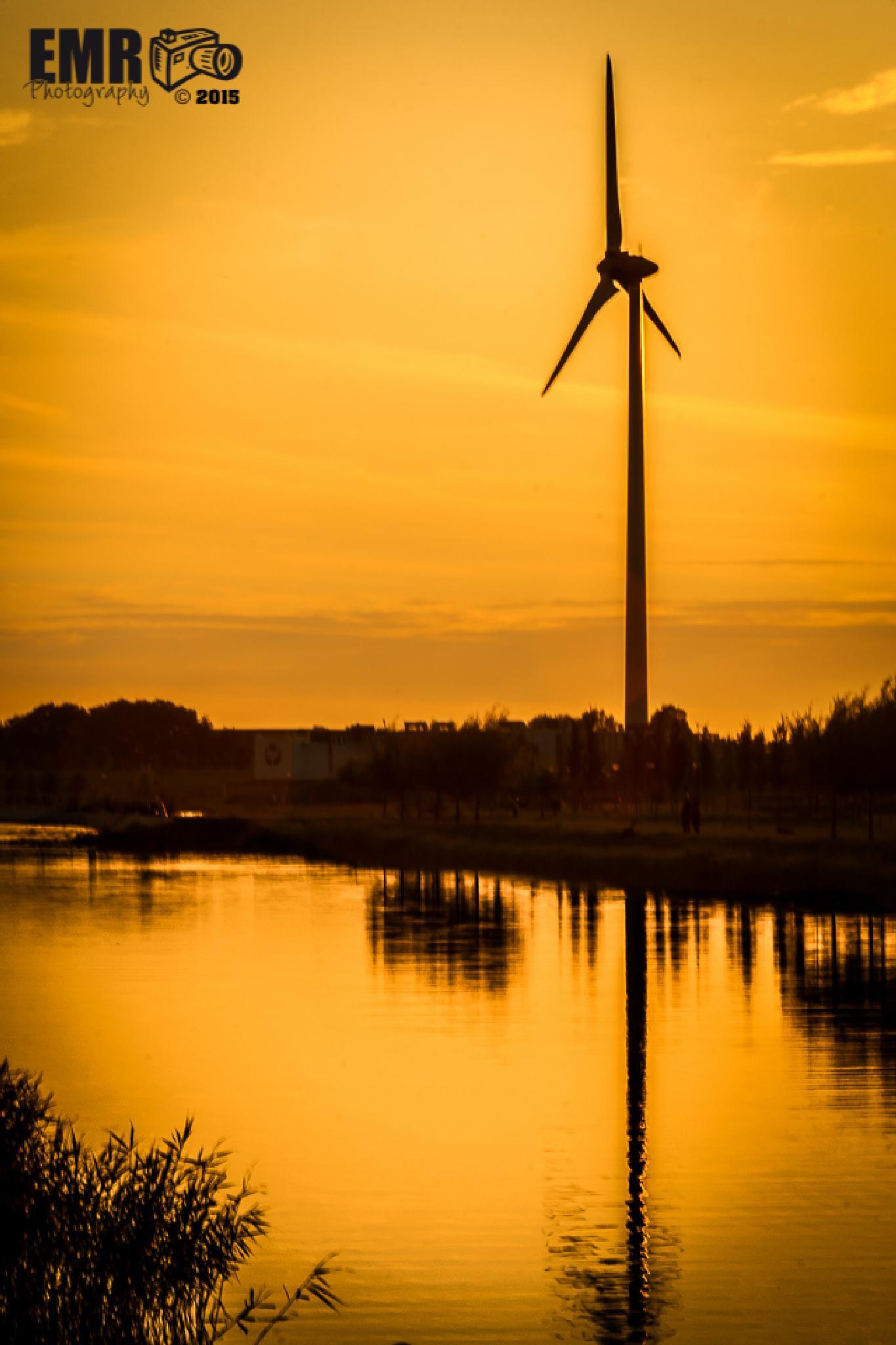 Sunset - Heerhugowaard - Nederland  by EMR Photography & Fotomodel Marijn