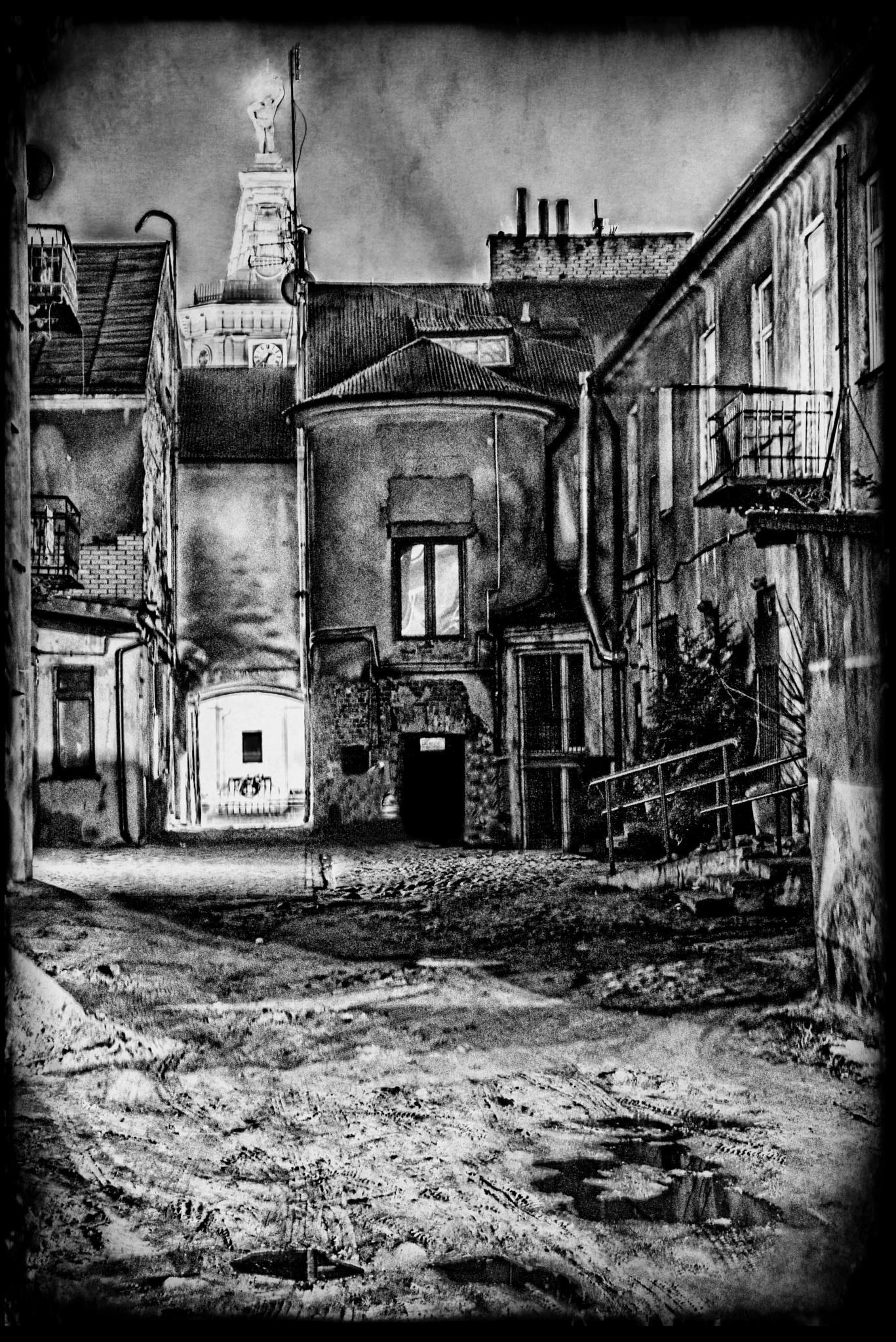 Street by Jaroslaw Grudzinski