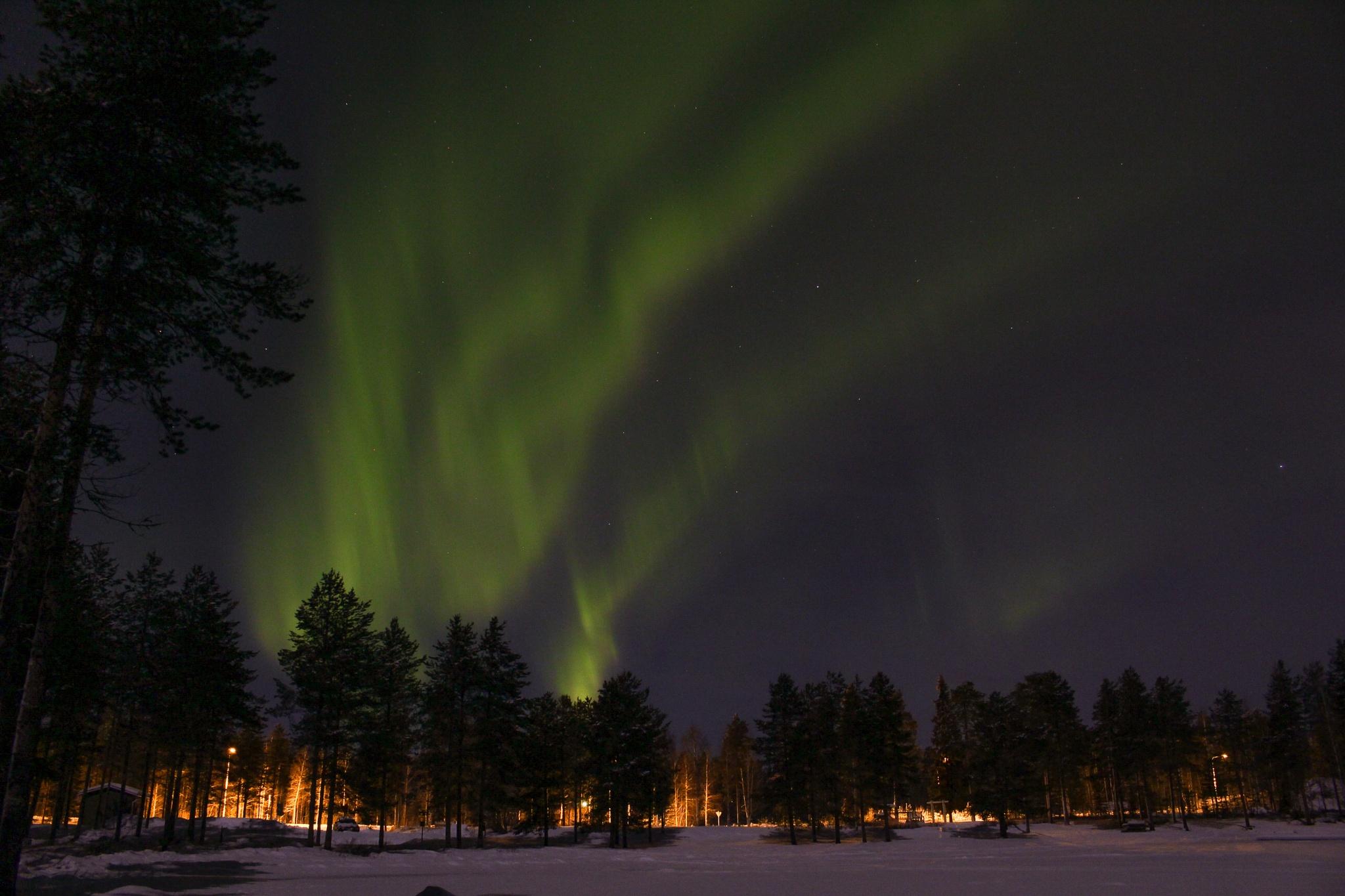 aurora borealis by Roope Takarautio