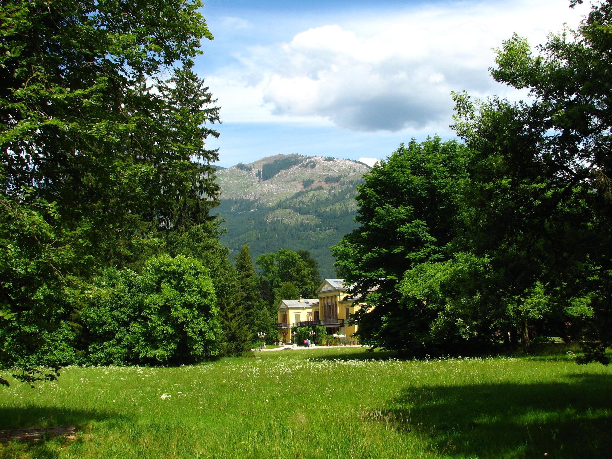 Bad Ischl Landscape by hunyadigeza