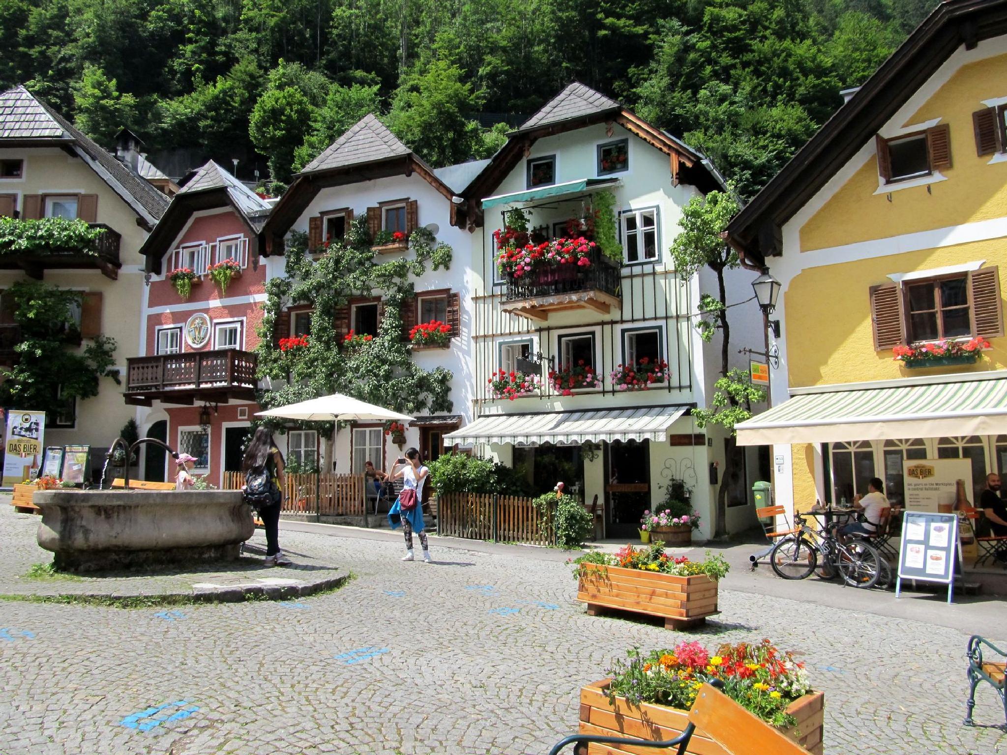 Hallstatt,  Austria by hunyadigeza