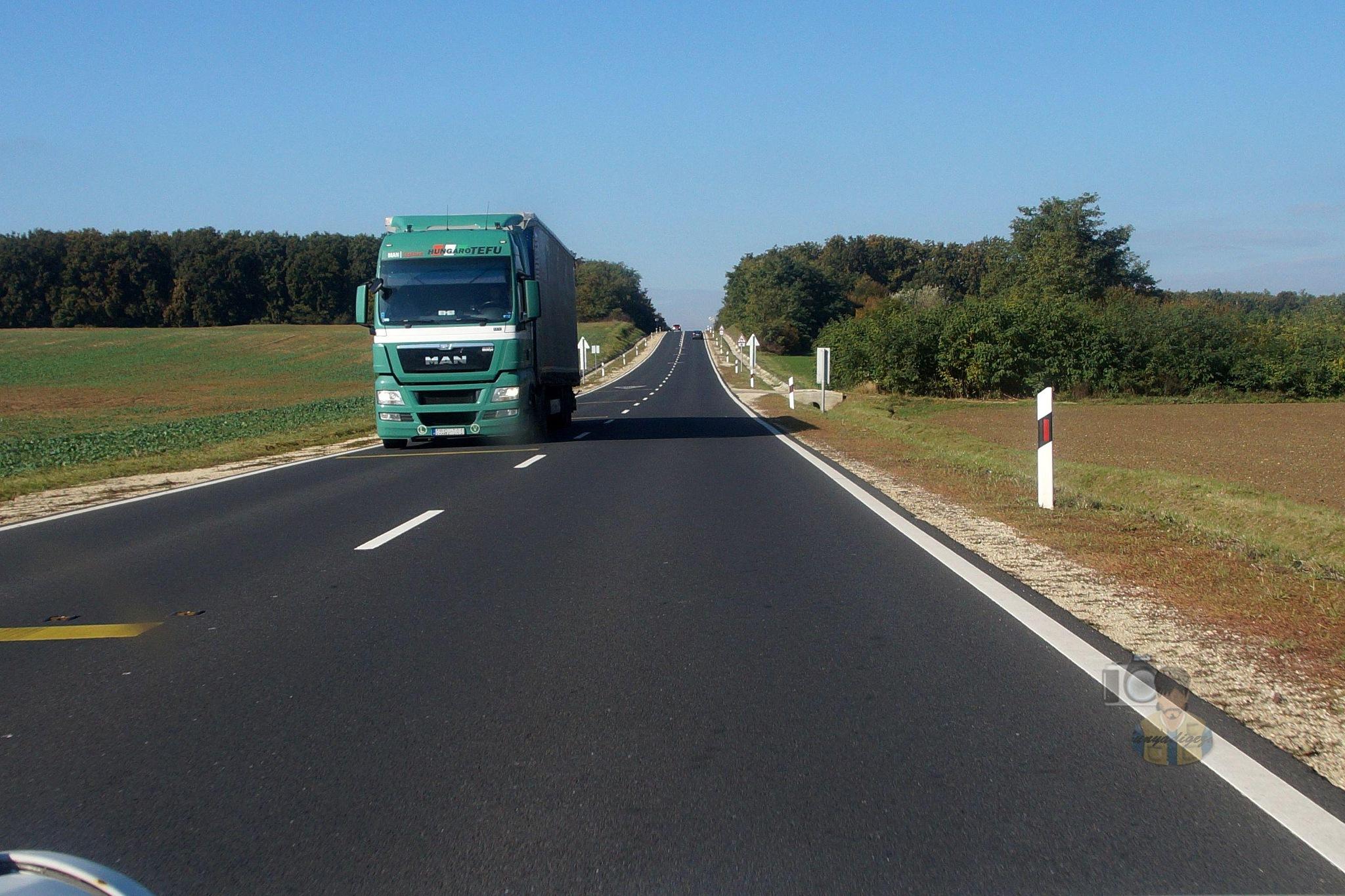 Oct.22, on road #1 by hunyadigeza