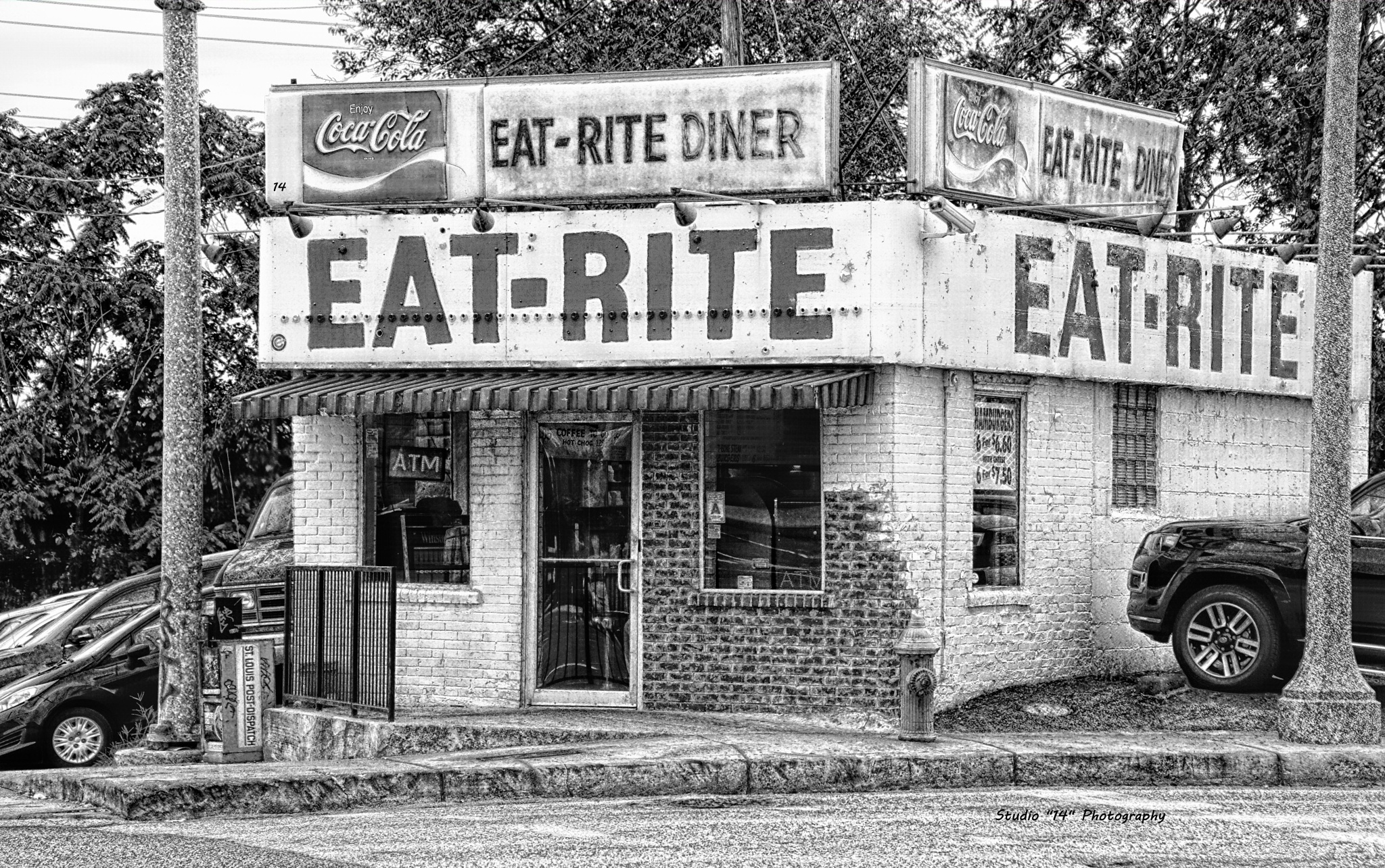 Eat-Rite Diner by Gary Cole