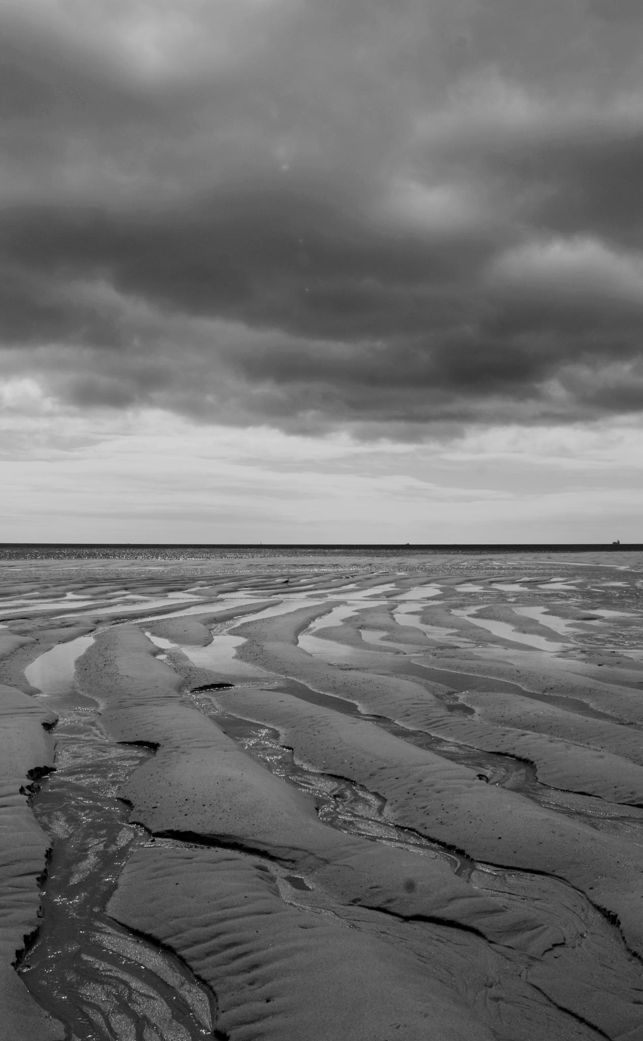 Beach near Setubal Porugal by metchick10