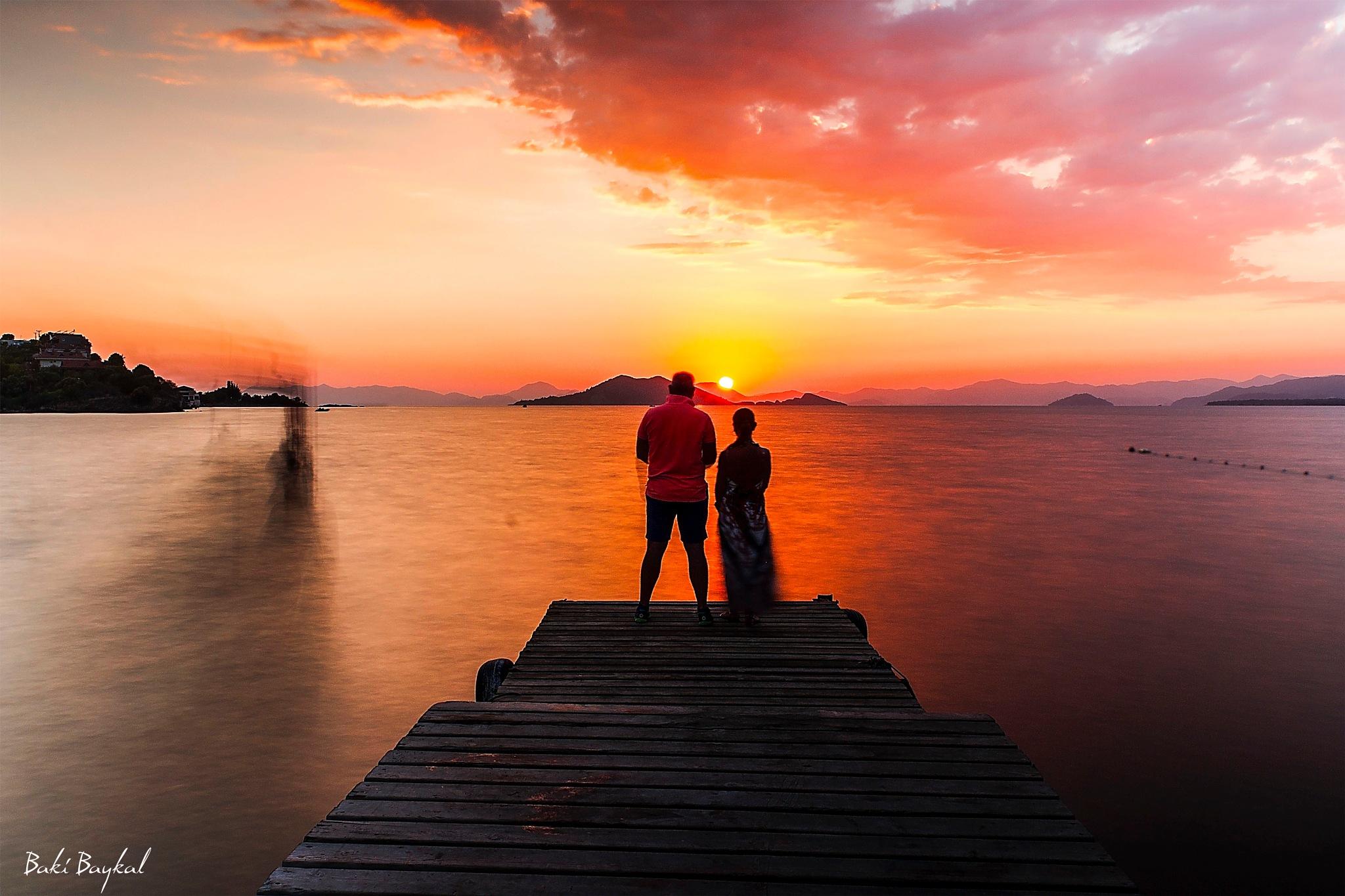 Sunset lovers. by Baki Baykal